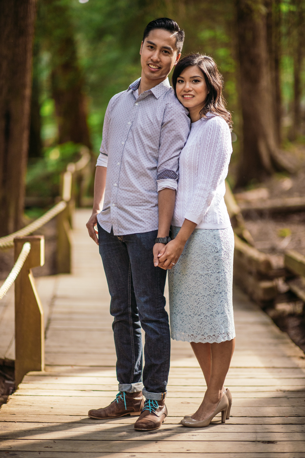 vancouver-island-wedding-photographers-capilano-suspension-bridge-engagement-18.jpg