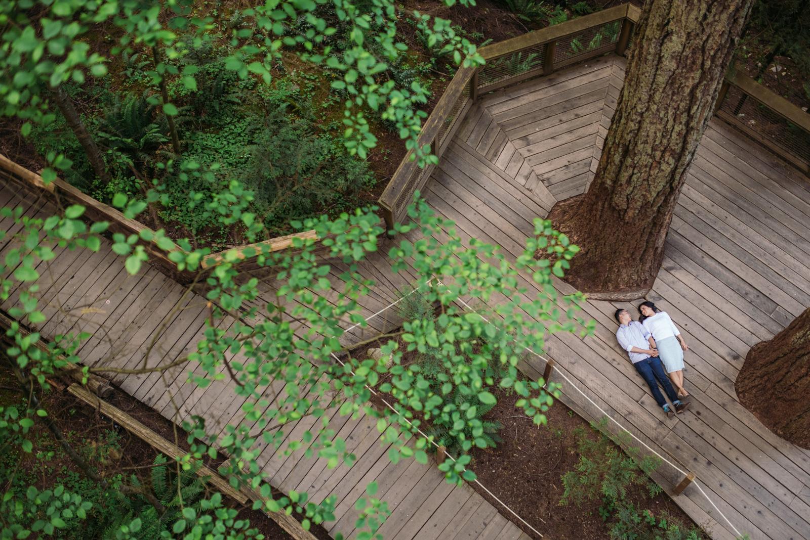 vancouver-island-wedding-photographers-capilano-suspension-bridge-engagement-17.jpg
