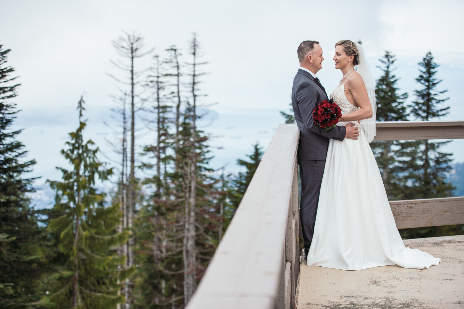 vancouver-island-wedding-photographers-grouse-mountain-winter-wedding-6.jpg