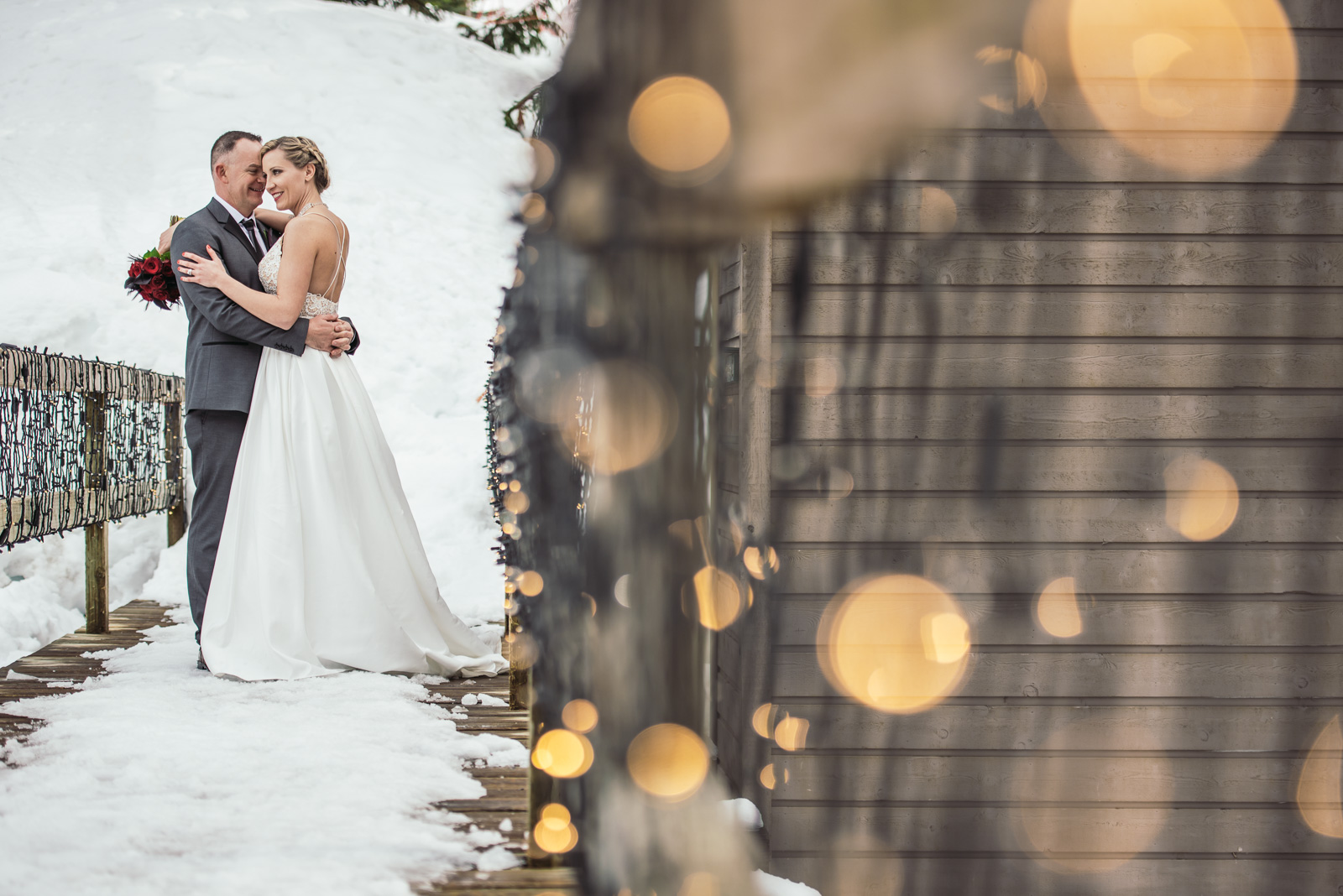 vancouver-island-wedding-photographers-grouse-mountain-winter-wedding-35.jpg