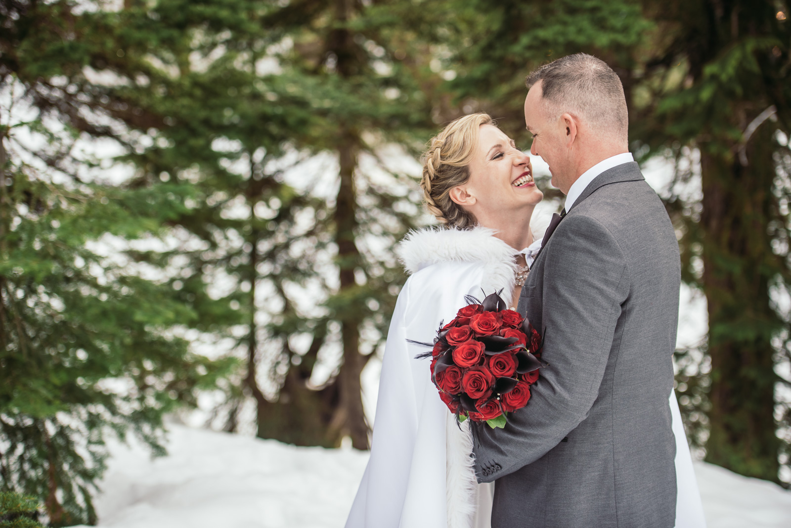 vancouver-island-wedding-photographers-grouse-mountain-winter-wedding-34.jpg
