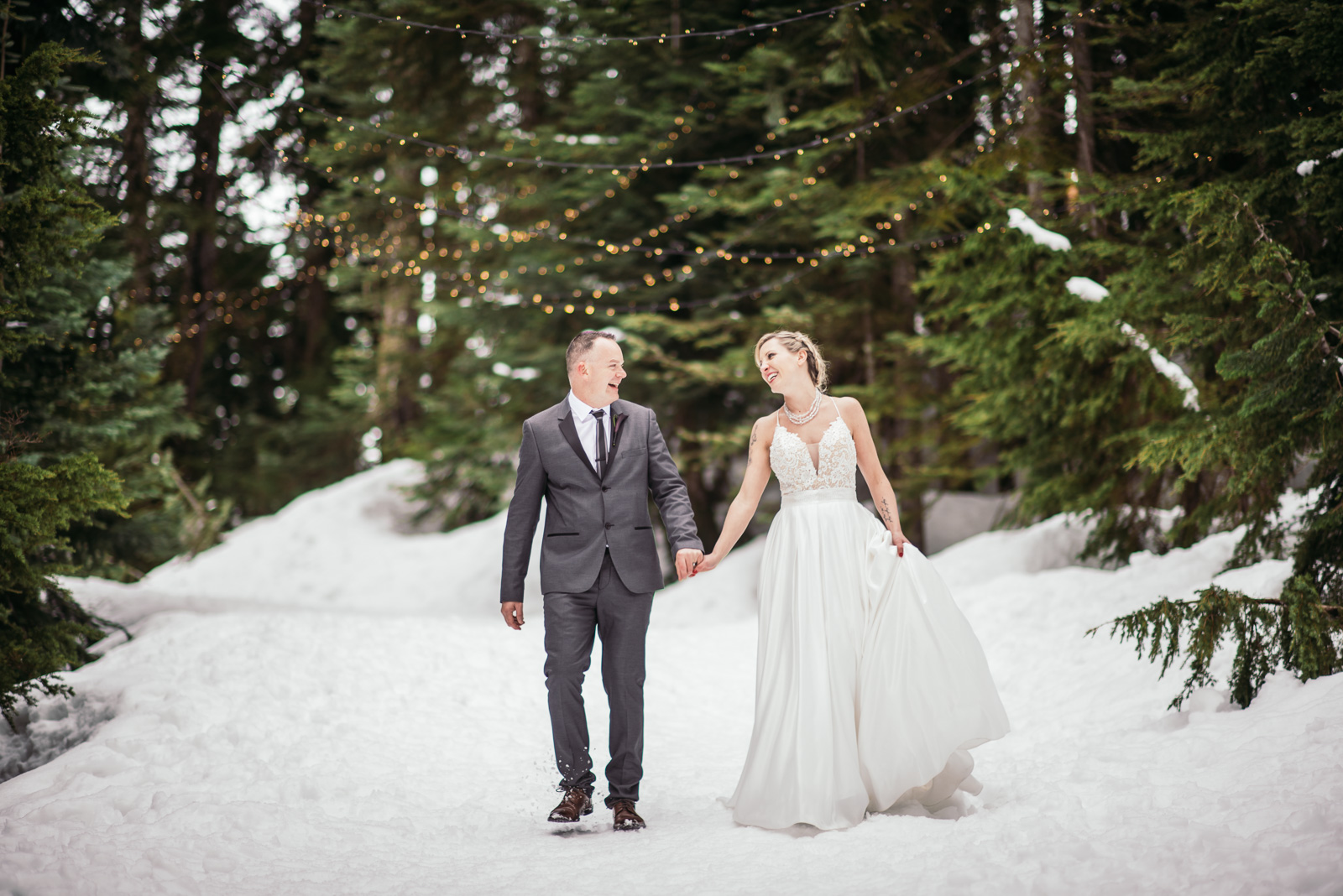 vancouver-island-wedding-photographers-grouse-mountain-winter-wedding-42.jpg