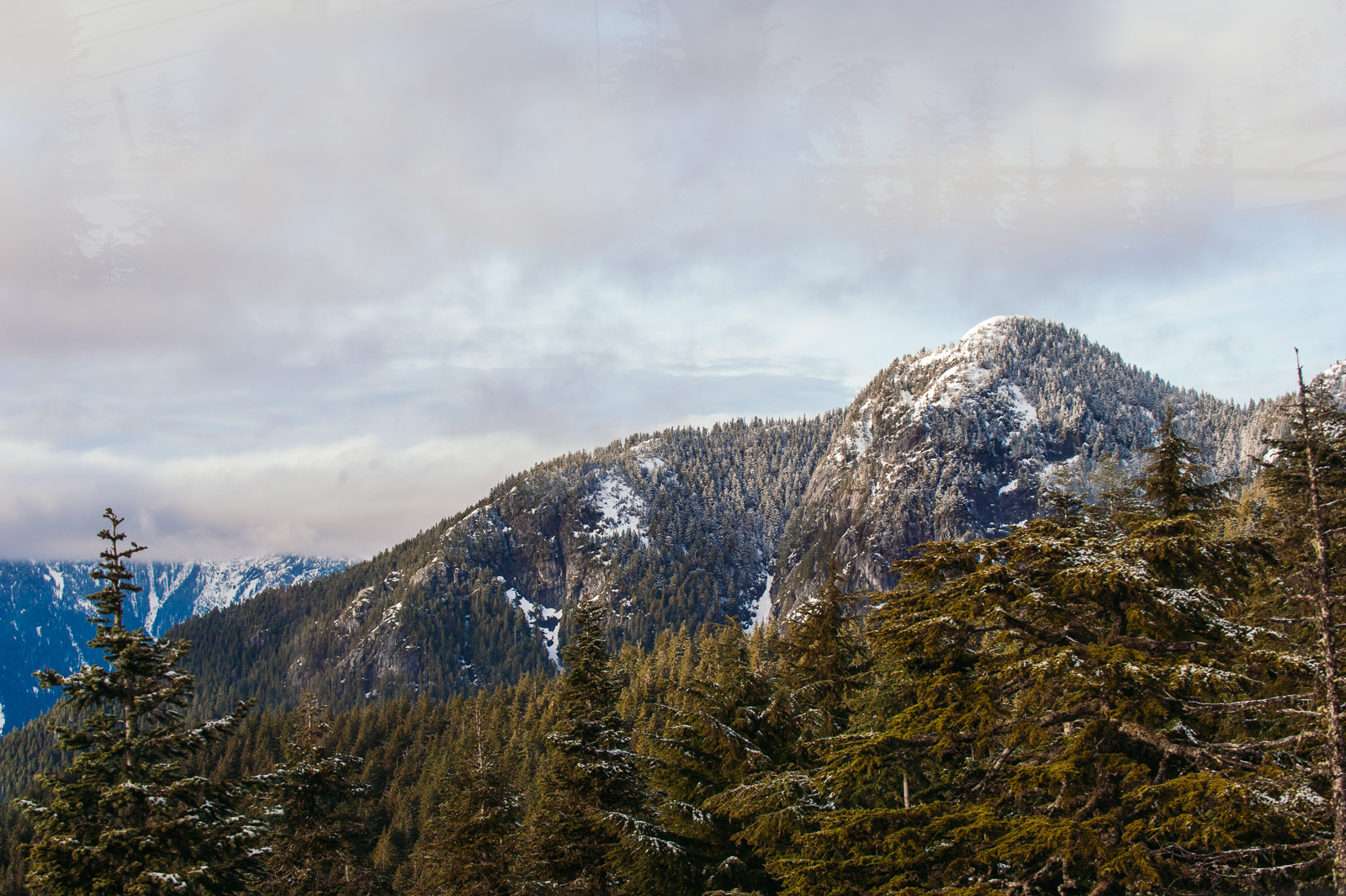 victoria-wedding-photographers-grouse-mountain-proposal-2.jpg