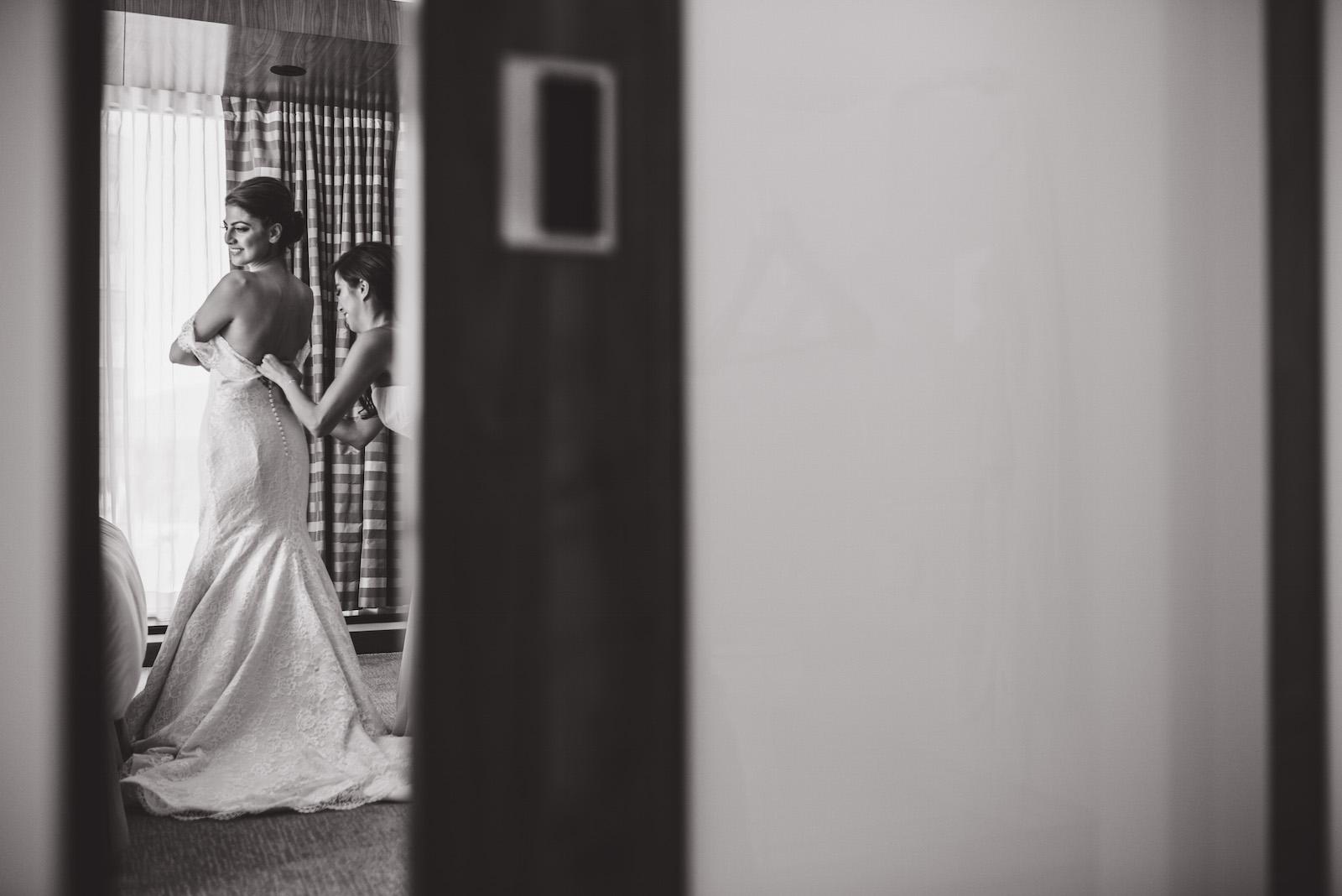 victoria-wedding-photographers-fairmont-pacific-rim-wedding-15.jpg