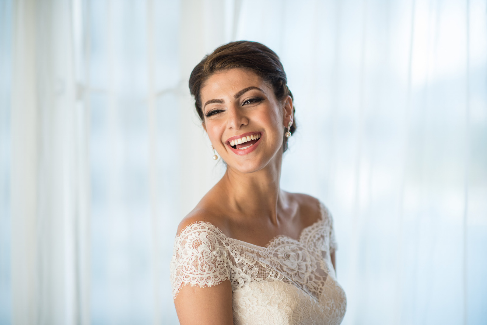 victoria-wedding-photographers-fairmont-pacific-rim-wedding-17.jpg