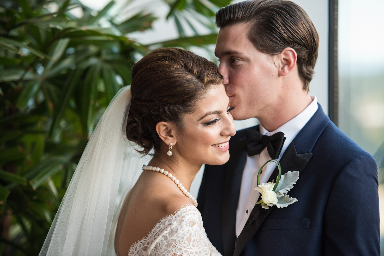 victoria-wedding-photographers-fairmont-pacific-rim-wedding-25.jpg