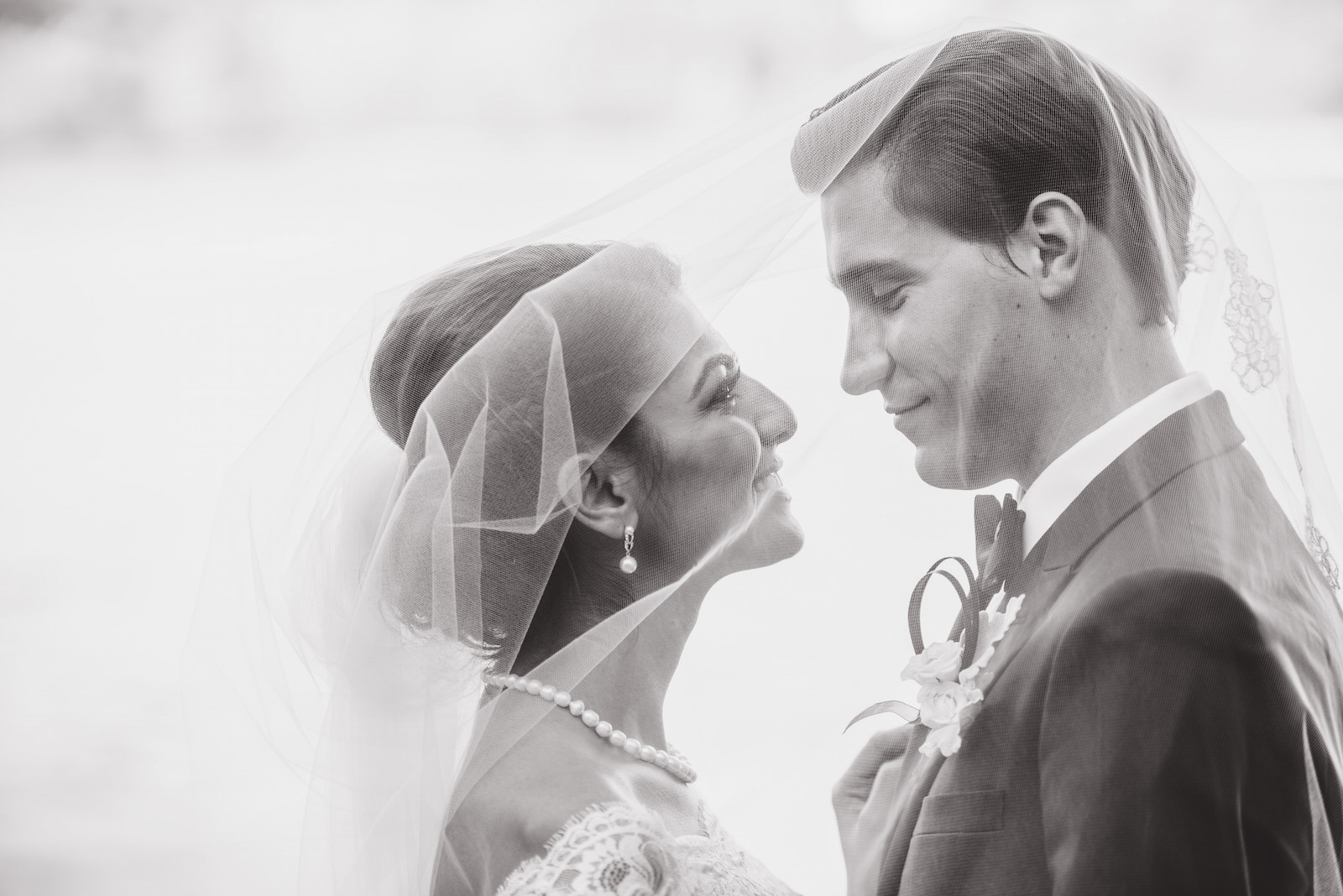 victoria-wedding-photographers-fairmont-pacific-rim-wedding-40.jpg
