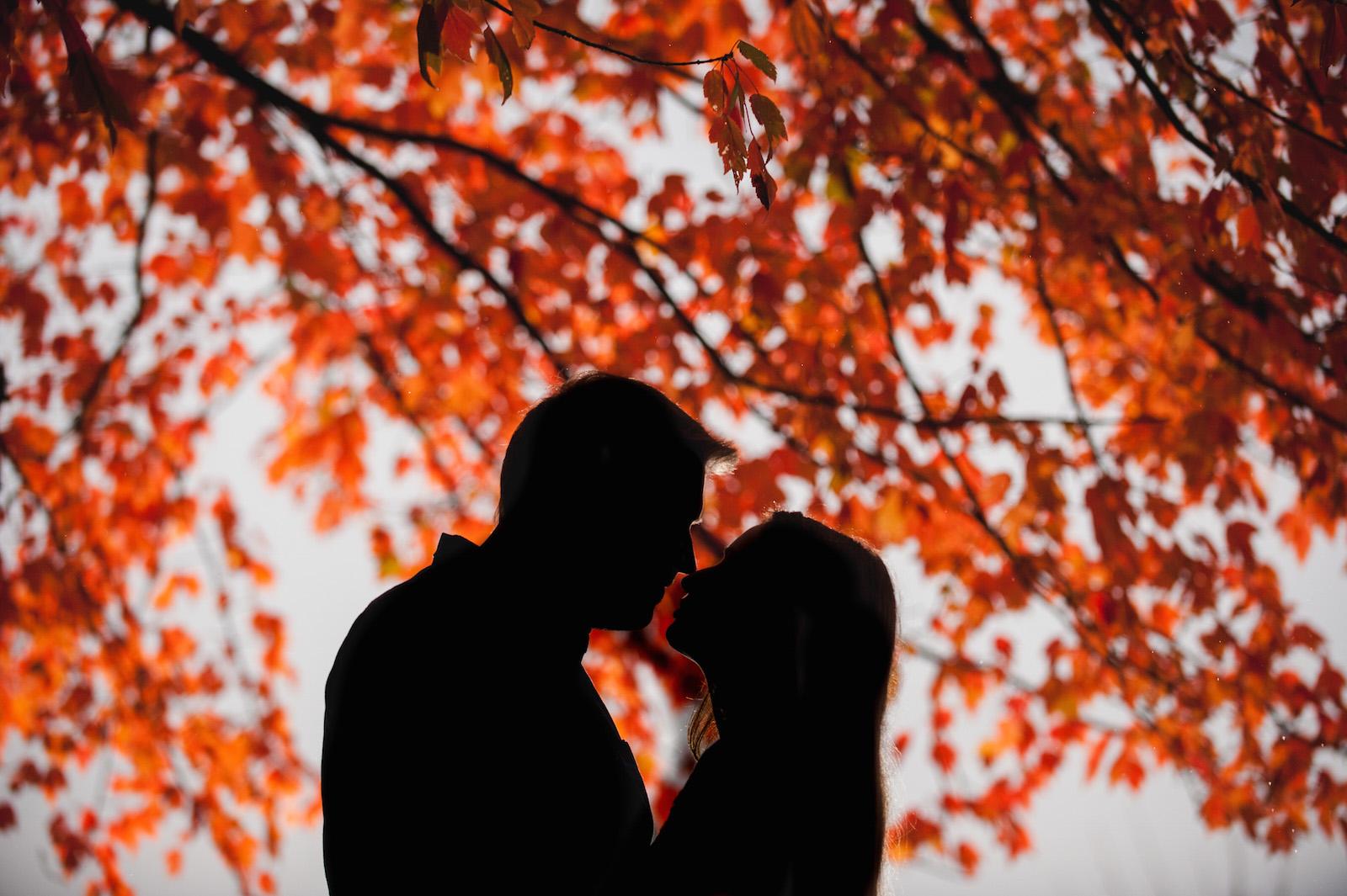 vancouver-island-wedding-photographers-rainy-stanley-park-engagement-11.jpg