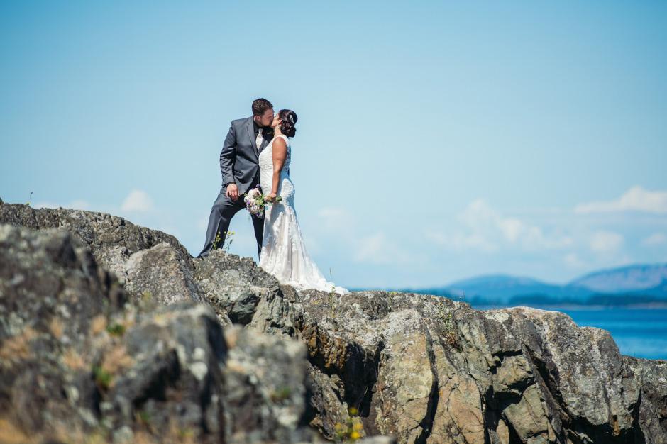 victoria-wedding-photographers-beach-house-restaurant-wedding-10.jpg