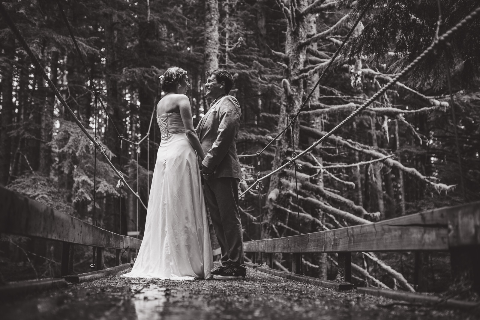 bc-wedding-photographers-kitimat-minette-bay-lodge-wedding-28.jpg
