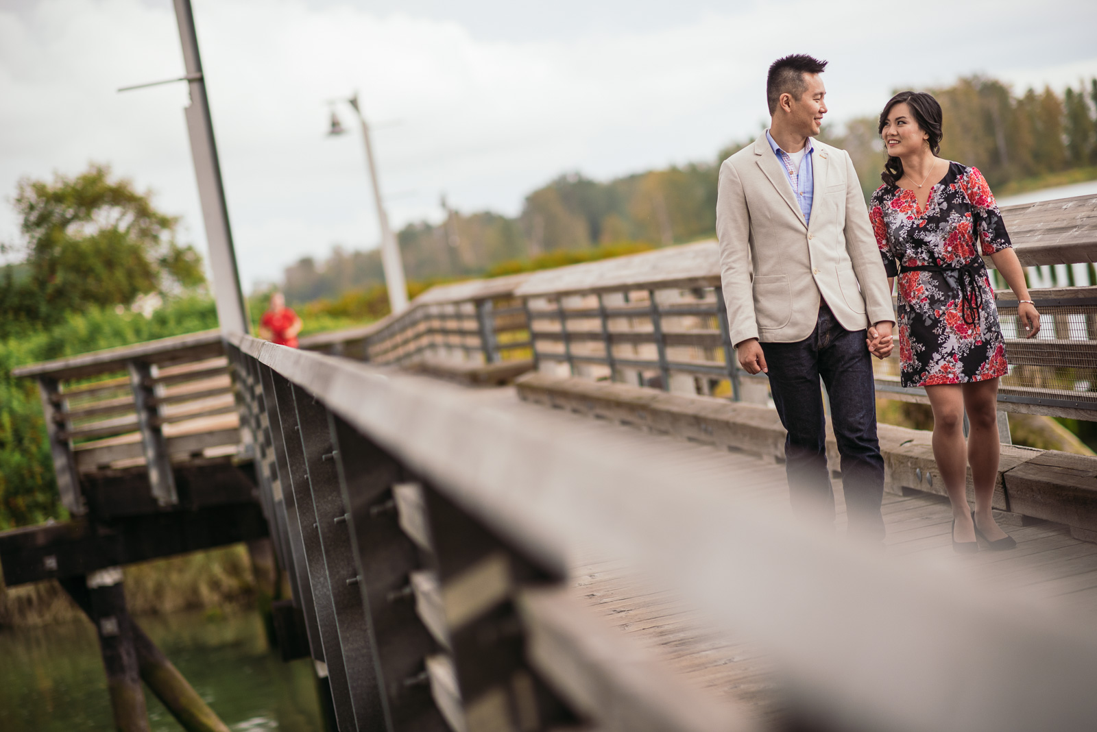 victoria-wedding-photographers-rainy-steveston-engagement-1.jpg