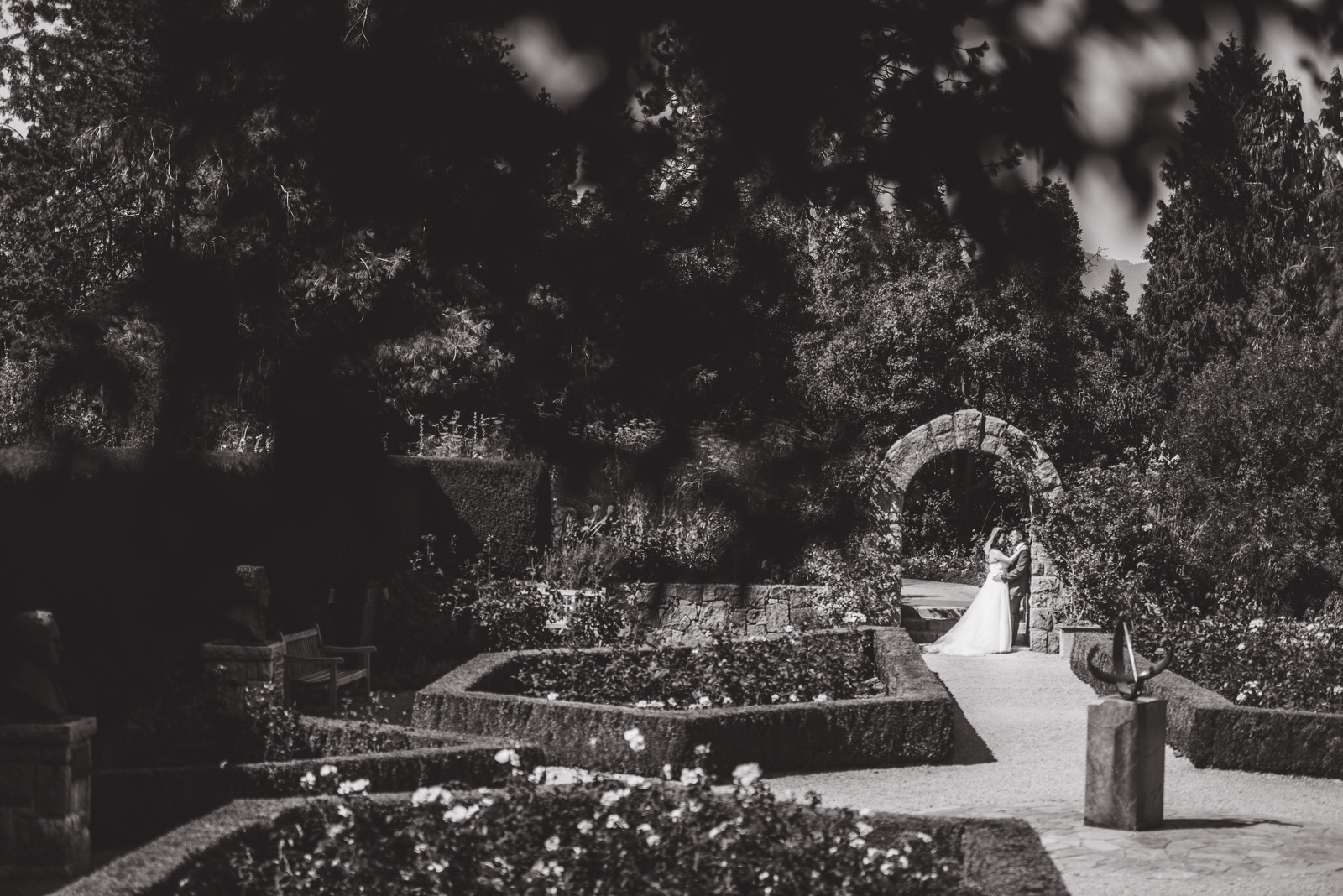 victoria-wedding-photographers-shaughnessy-restaurant-wedding-vandusen-gardens-wedding-17.jpg