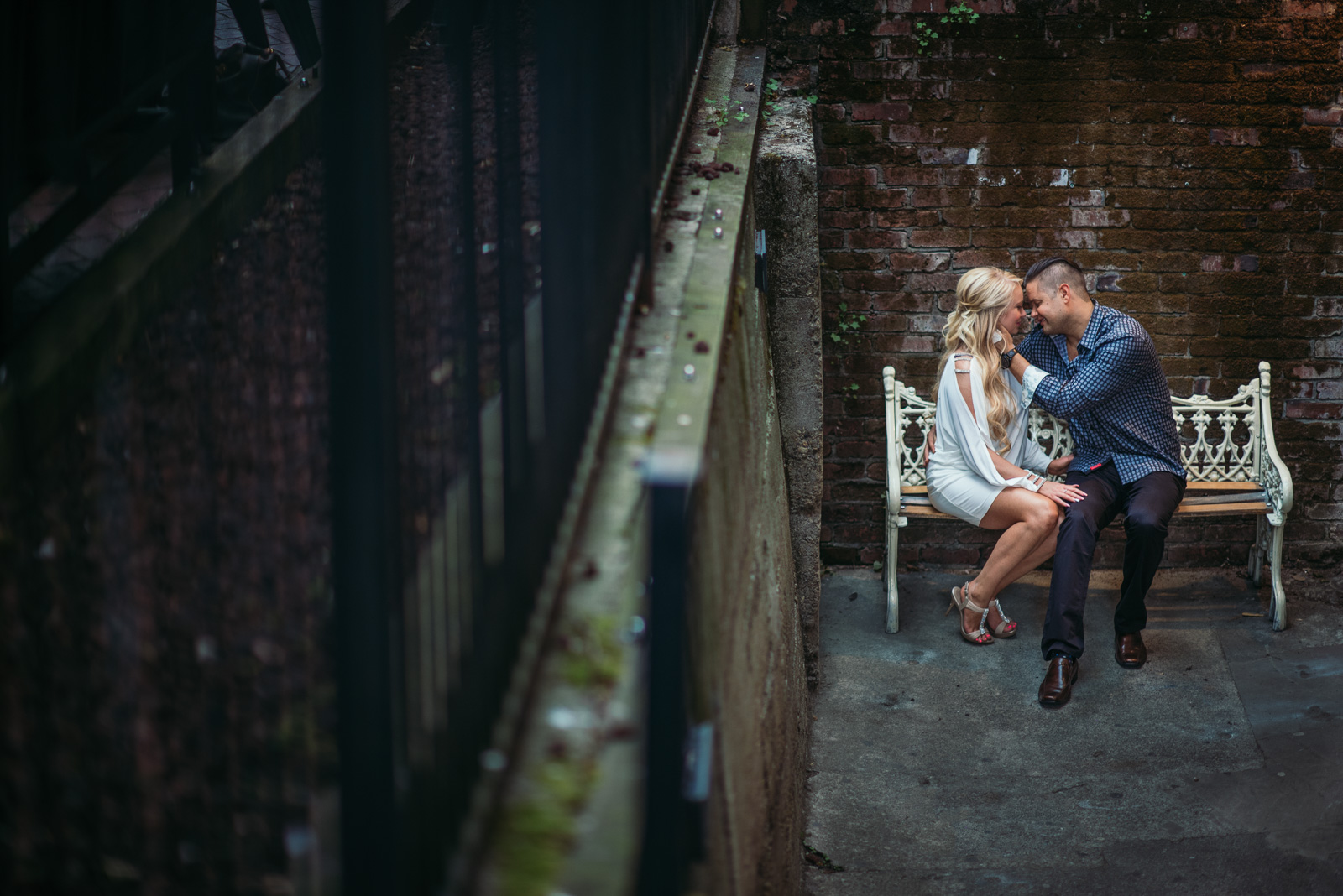 vancouver-wedding-photographers-gastown-engagement-4.jpg