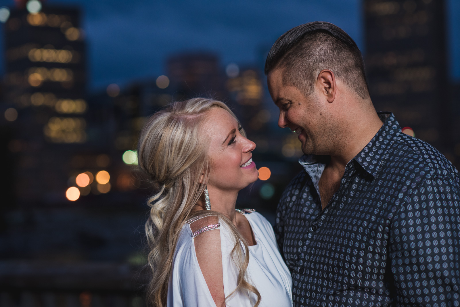 vancouver-wedding-photographers-gastown-engagement-15.jpg