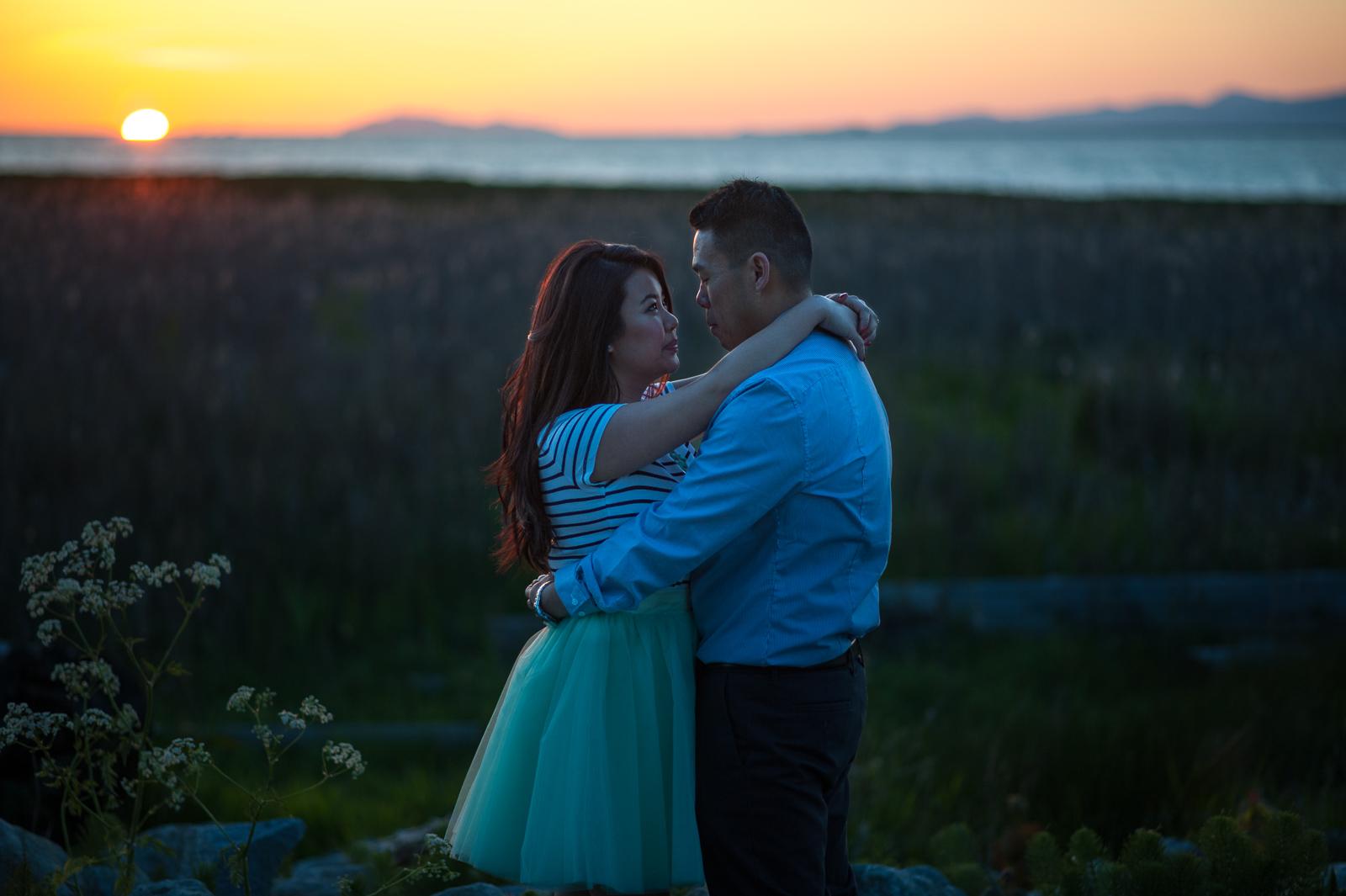 vancouver-island-wedding-photographers-terra-nova-park-engagement-richmond-18.jpg