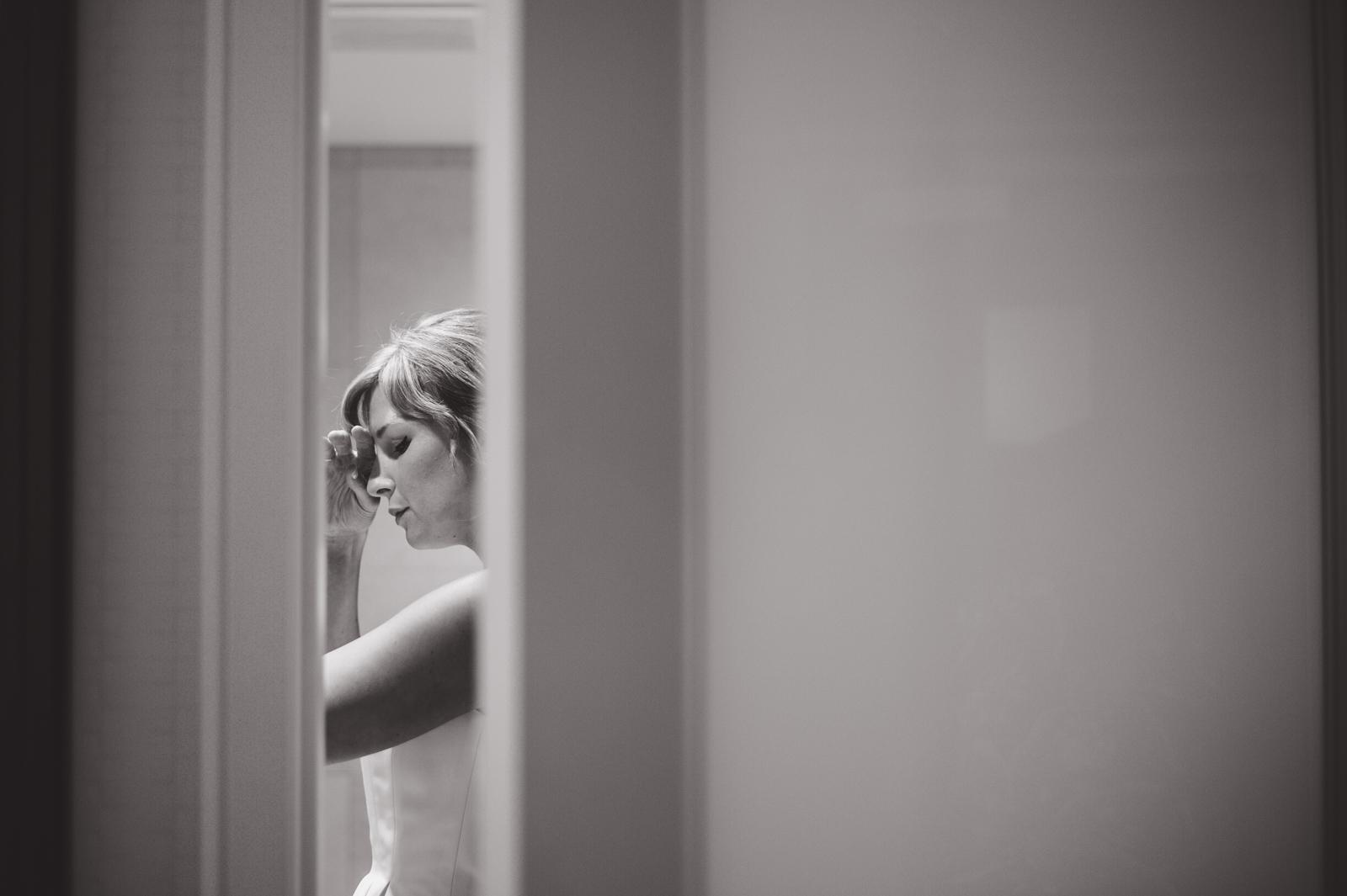 victoria-wedding-photographers-ubc-rose-garden-sage-bistro-wedding-02.jpg
