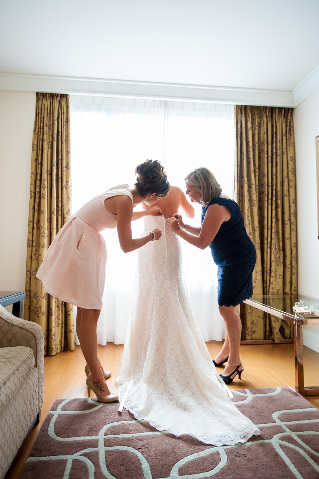 victoria-wedding-photographers-ubc-rose-garden-sage-bistro-wedding-09.jpg