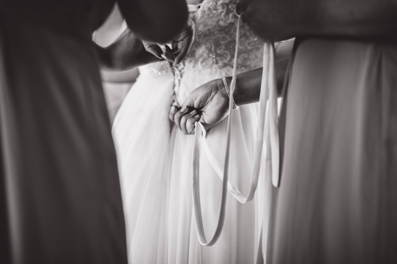 victoria-wedding-photographers-royal-colwood-golf-course-wedding-08.jpg