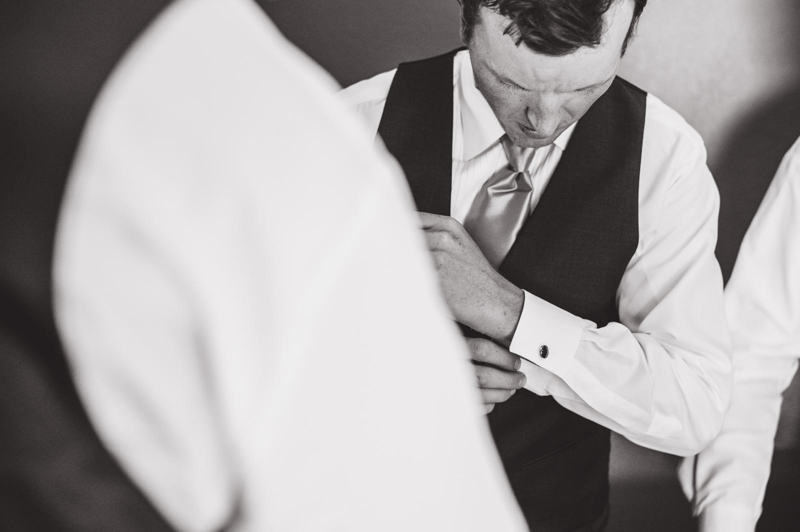 victoria-wedding-photographers-royal-colwood-golf-course-wedding-10.jpg