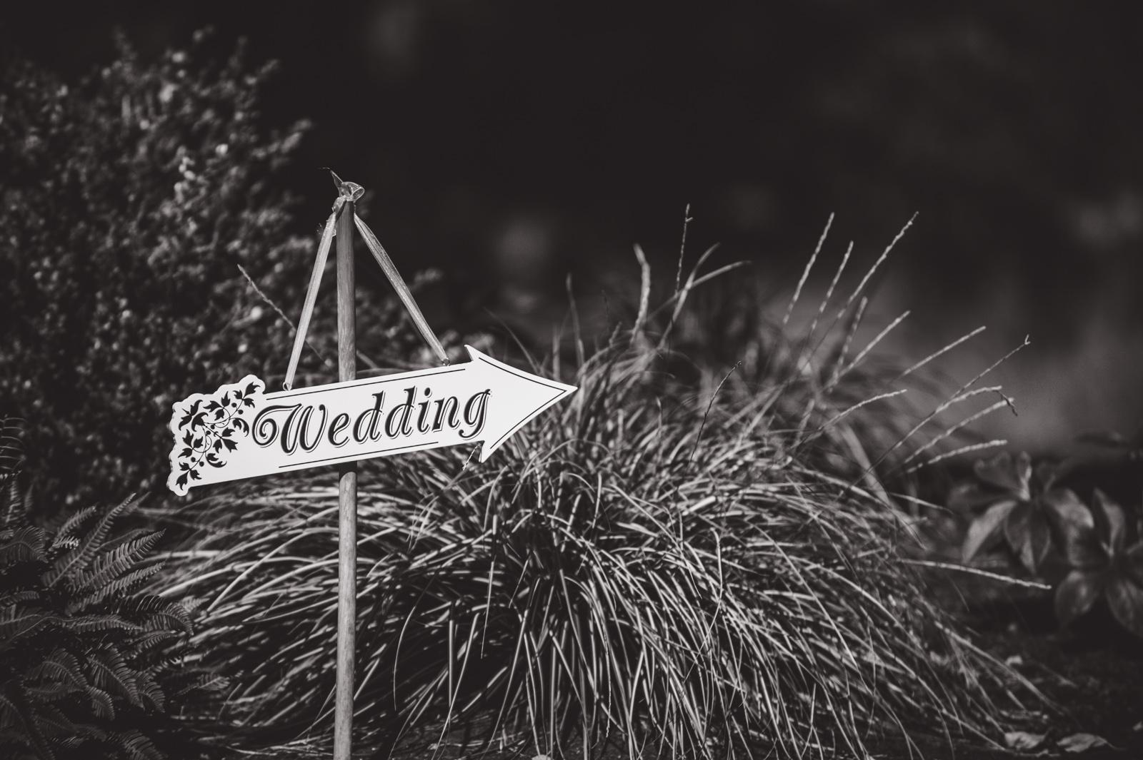 victoria-wedding-photographers-royal-colwood-golf-course-wedding-12.jpg