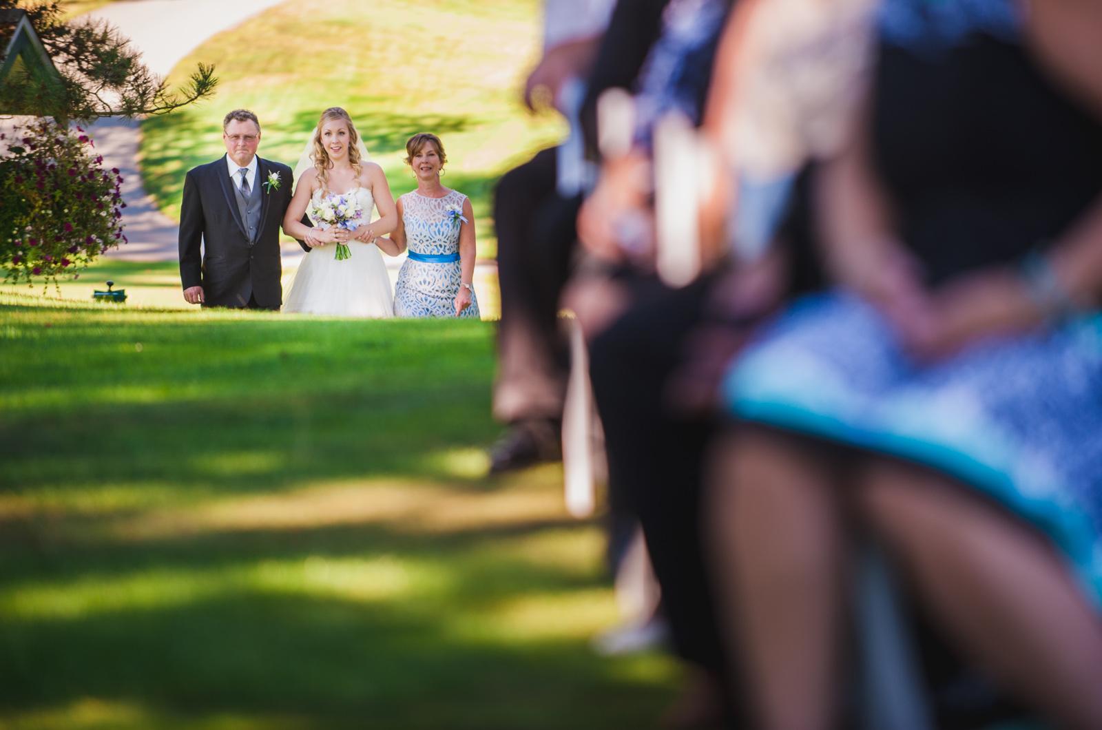 victoria-wedding-photographers-royal-colwood-golf-course-wedding-14.jpg