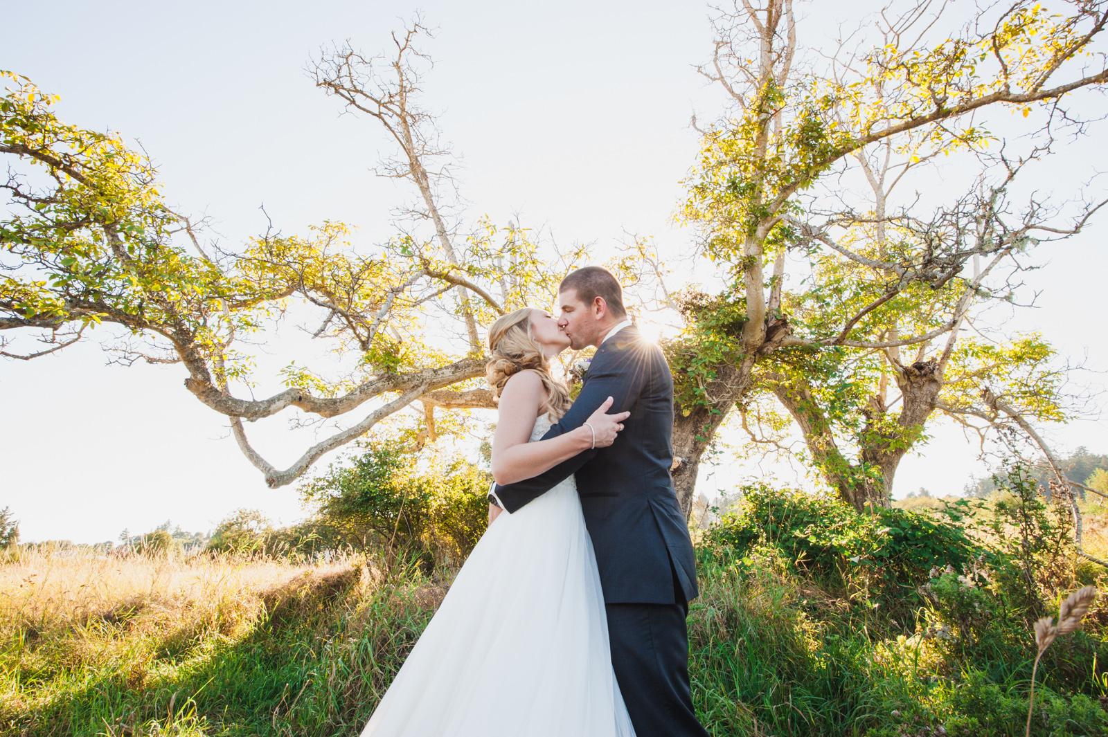 victoria-wedding-photographers-royal-colwood-golf-course-wedding-34.jpg