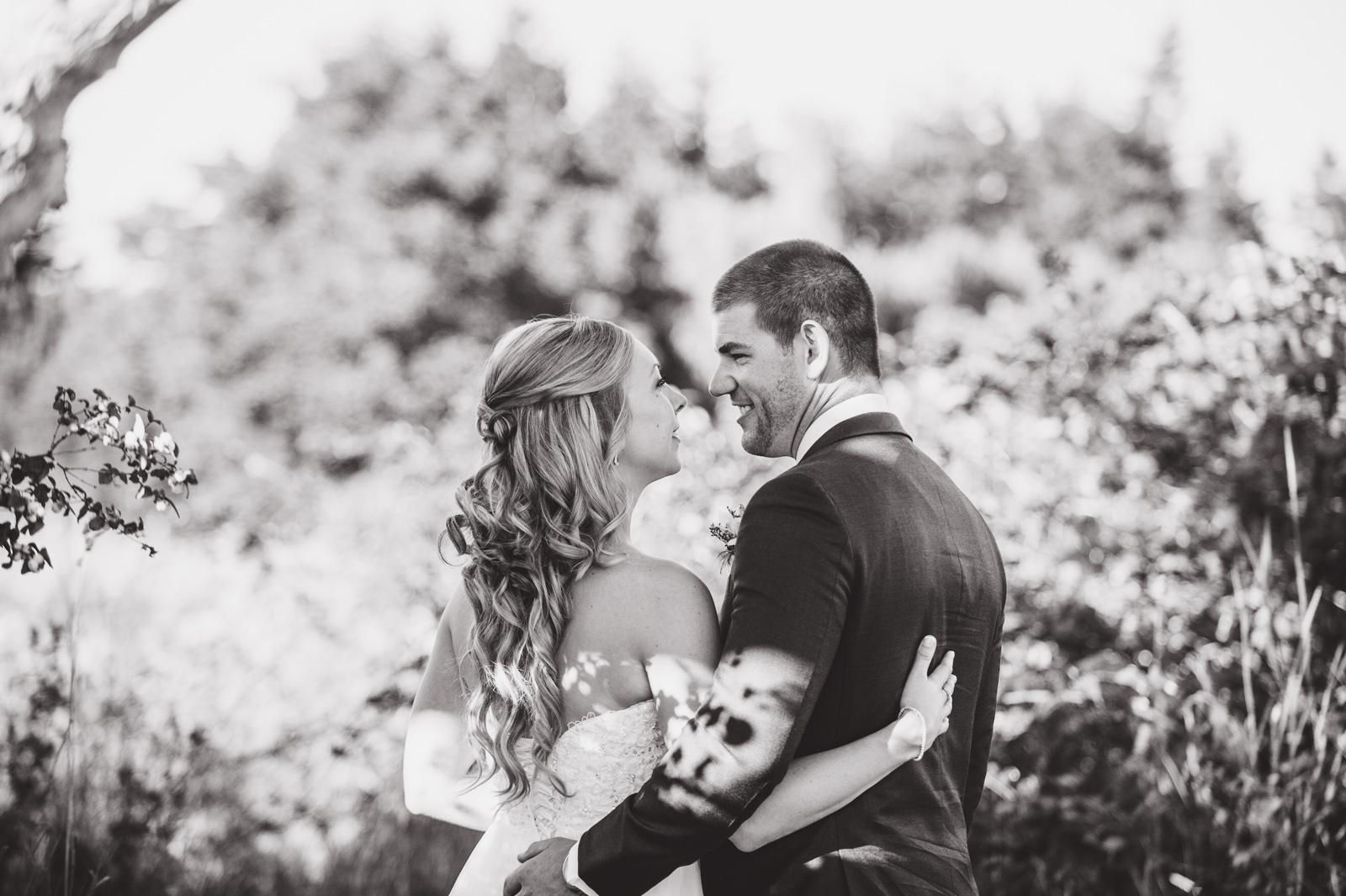 victoria-wedding-photographers-royal-colwood-golf-course-wedding-39.jpg