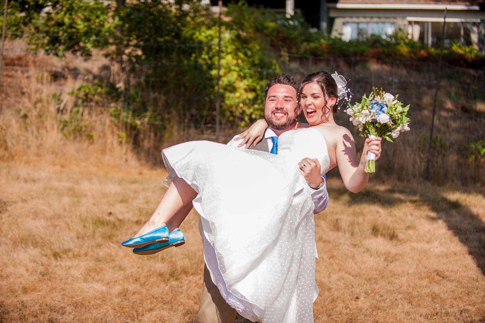 vancouver-island-wedding-photographers-saltspring-island-wedding-52.jpg