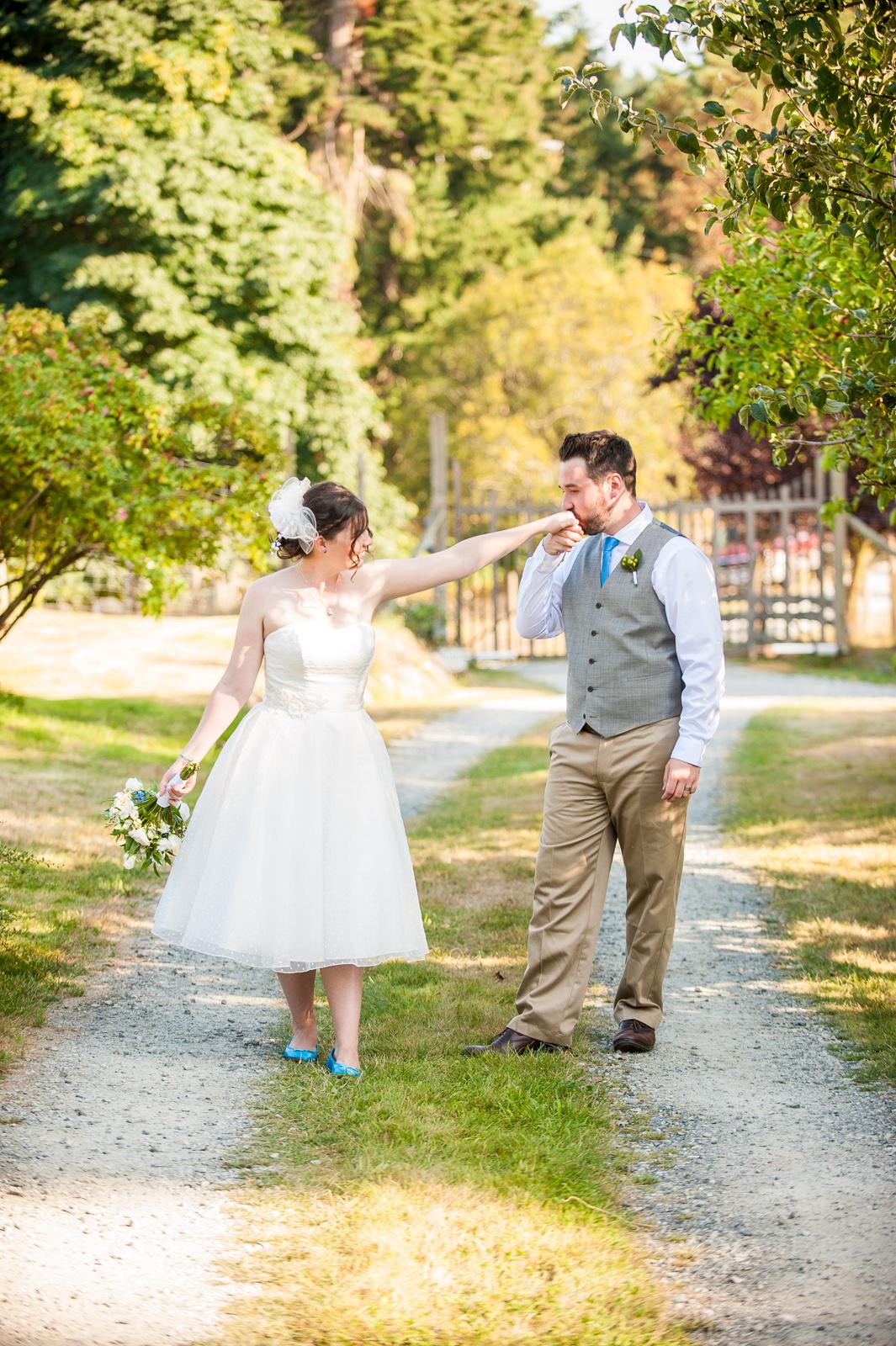 vancouver-island-wedding-photographers-saltspring-island-wedding-61.jpg