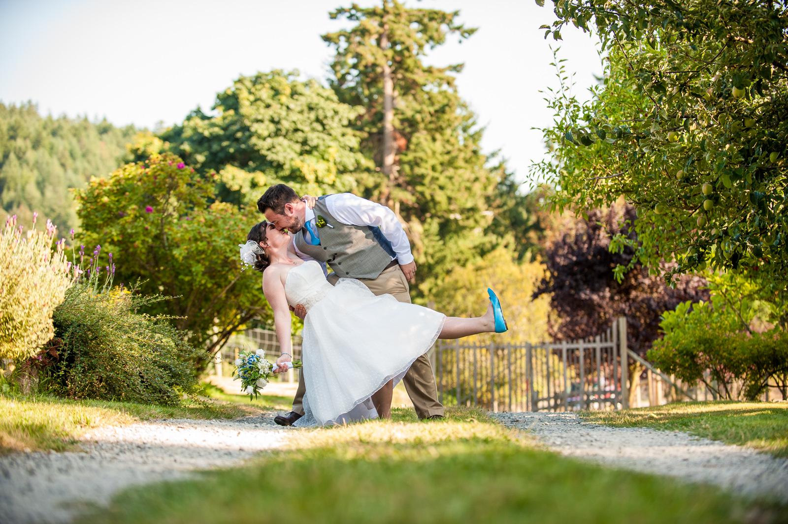 vancouver-island-wedding-photographers-saltspring-island-wedding-63.jpg
