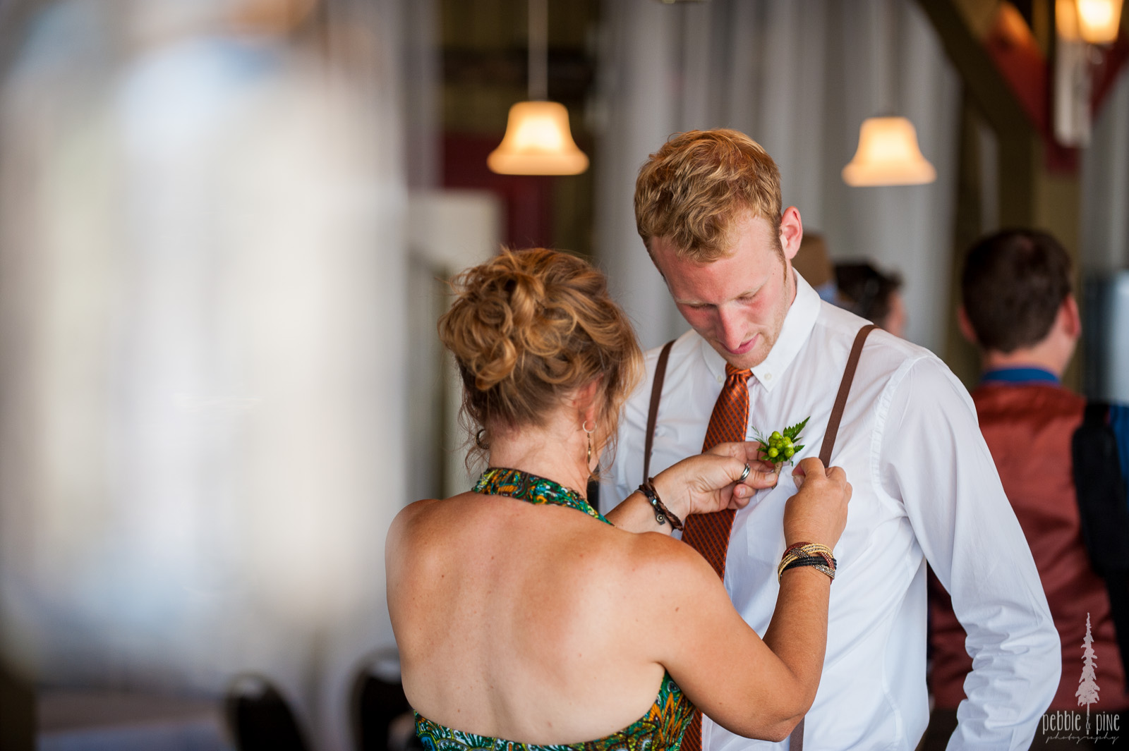 vancouver-island-wedding-photographers-golden-eagle-golf-course-wedding-mountaintop-wedding-02.jpg
