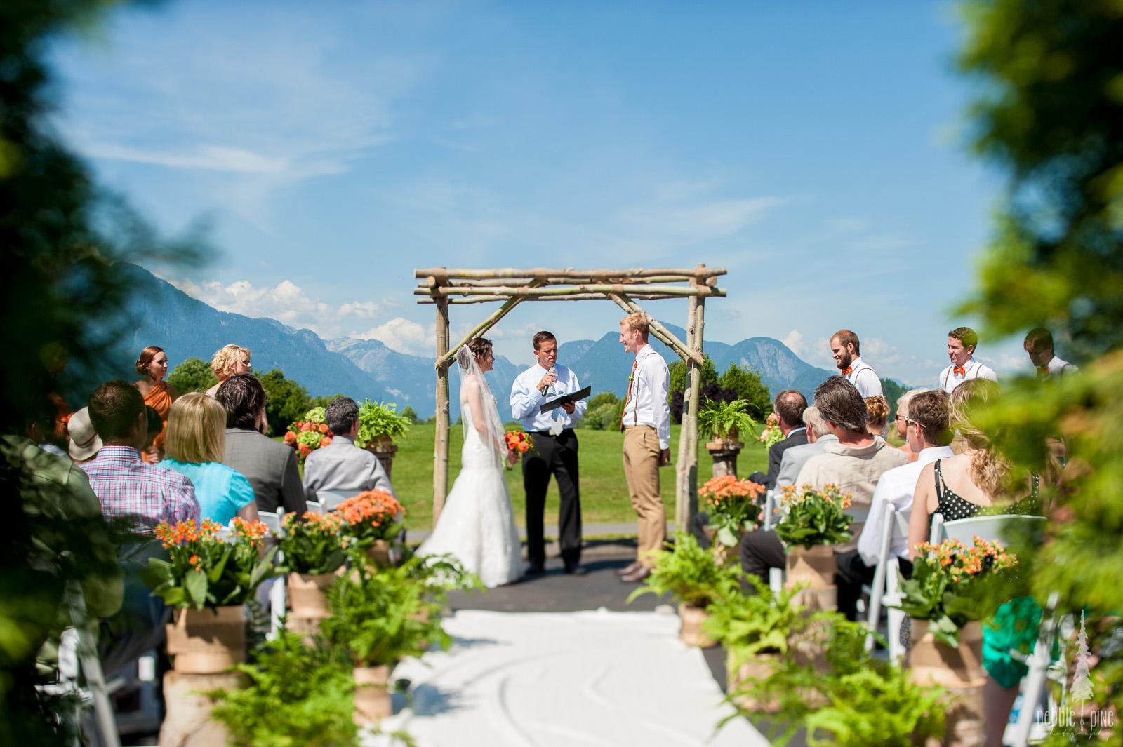 vancouver-island-wedding-photographers-golden-eagle-golf-course-wedding-mountaintop-wedding-18.jpg