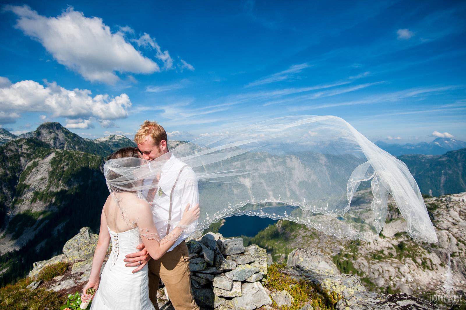 vancouver-island-wedding-photographers-golden-eagle-golf-course-wedding-mountaintop-wedding-39.jpg