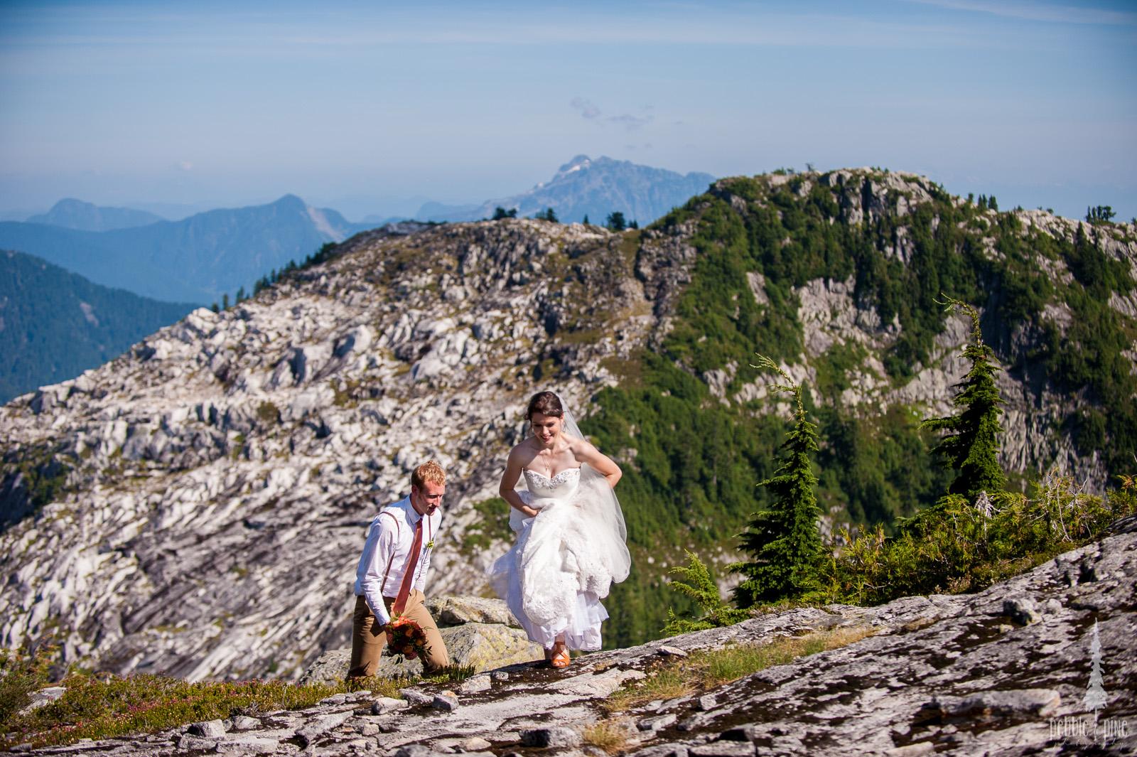 vancouver-island-wedding-photographers-golden-eagle-golf-course-wedding-mountaintop-wedding-44.jpg