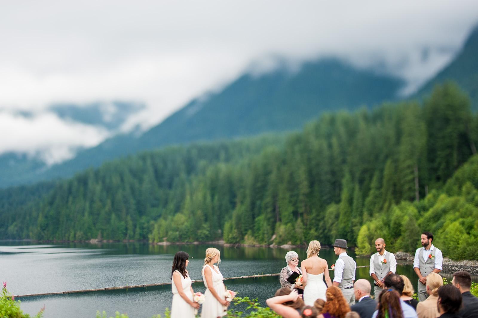 bc-wedding-photographers-cleveland-dam-wedding-08.jpg