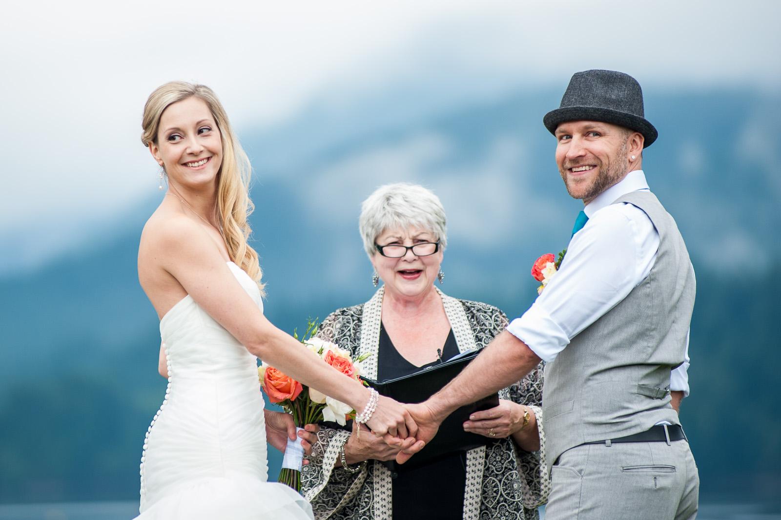 bc-wedding-photographers-cleveland-dam-wedding-10.jpg