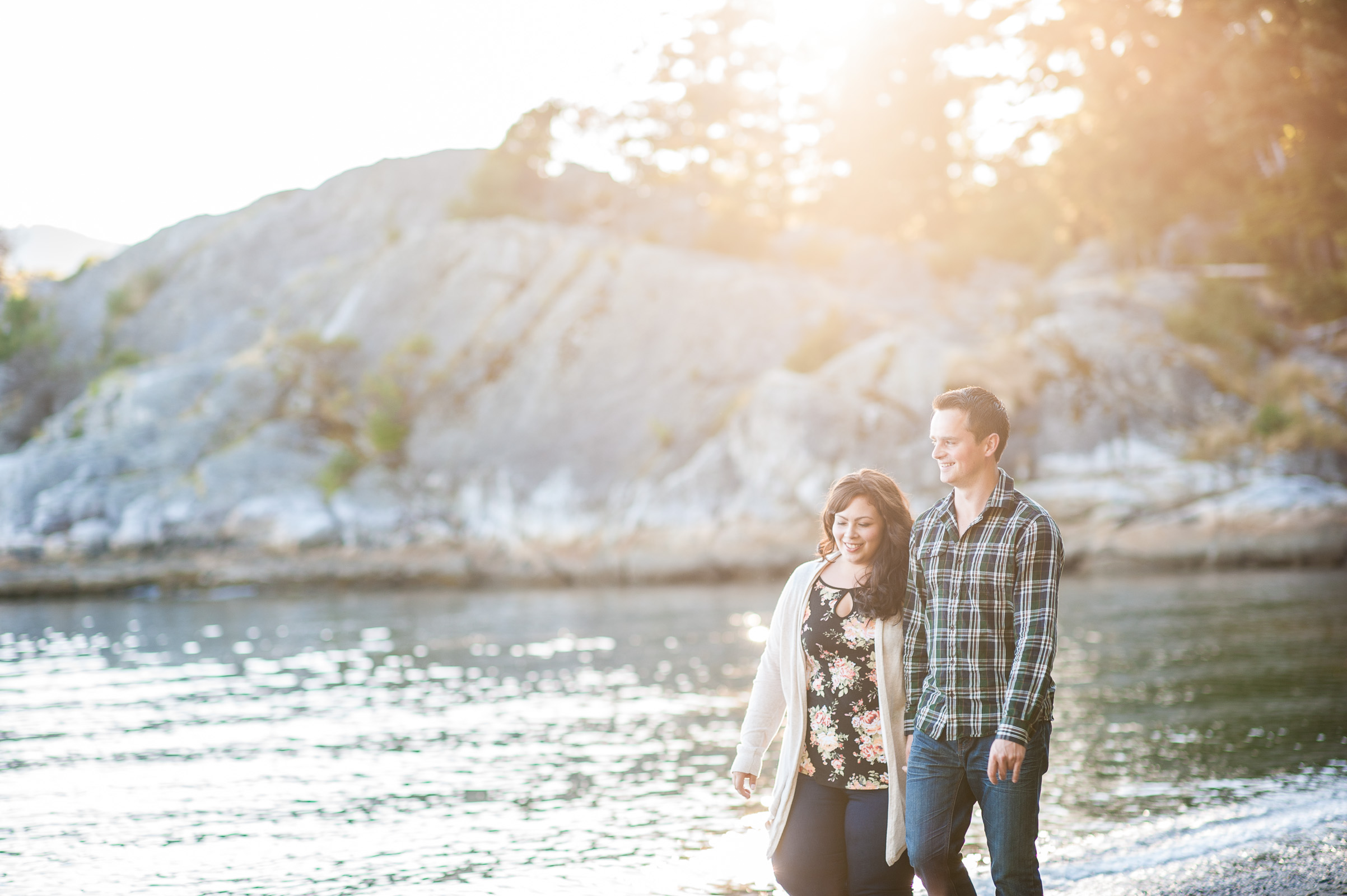 vancouver-island-wedding-photographers-whytecliff-park-engagement-02.jpg