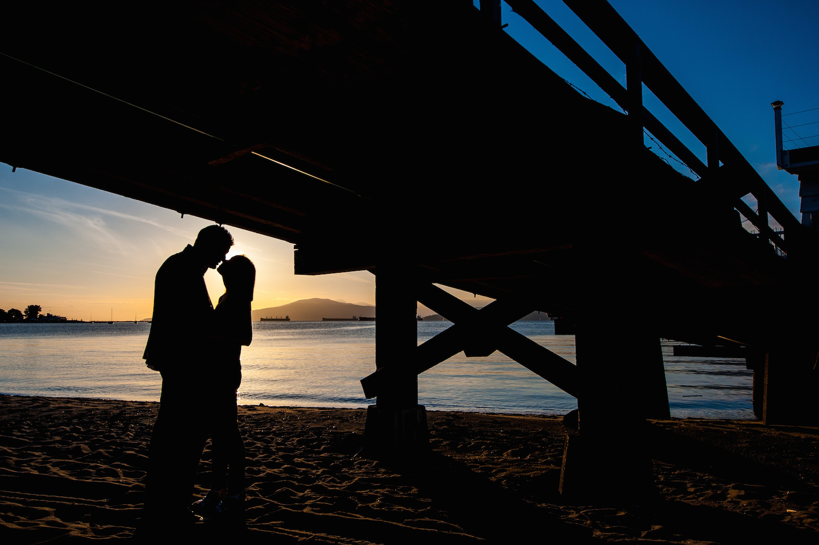 victoria-wedding-photographers-jericho-beach-sunset-engageement-10.jpg