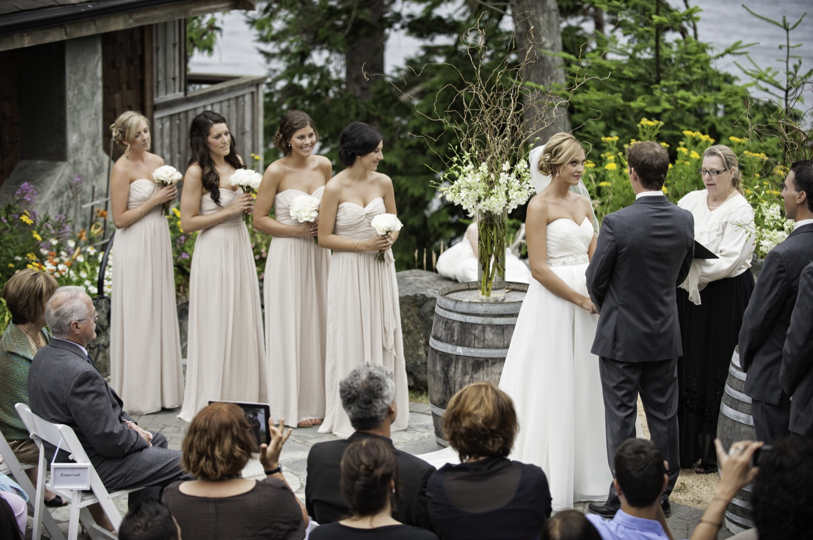 sooke-wedding-photographers-craidelonna-oceanedge-lodge-wedding-50.jpg