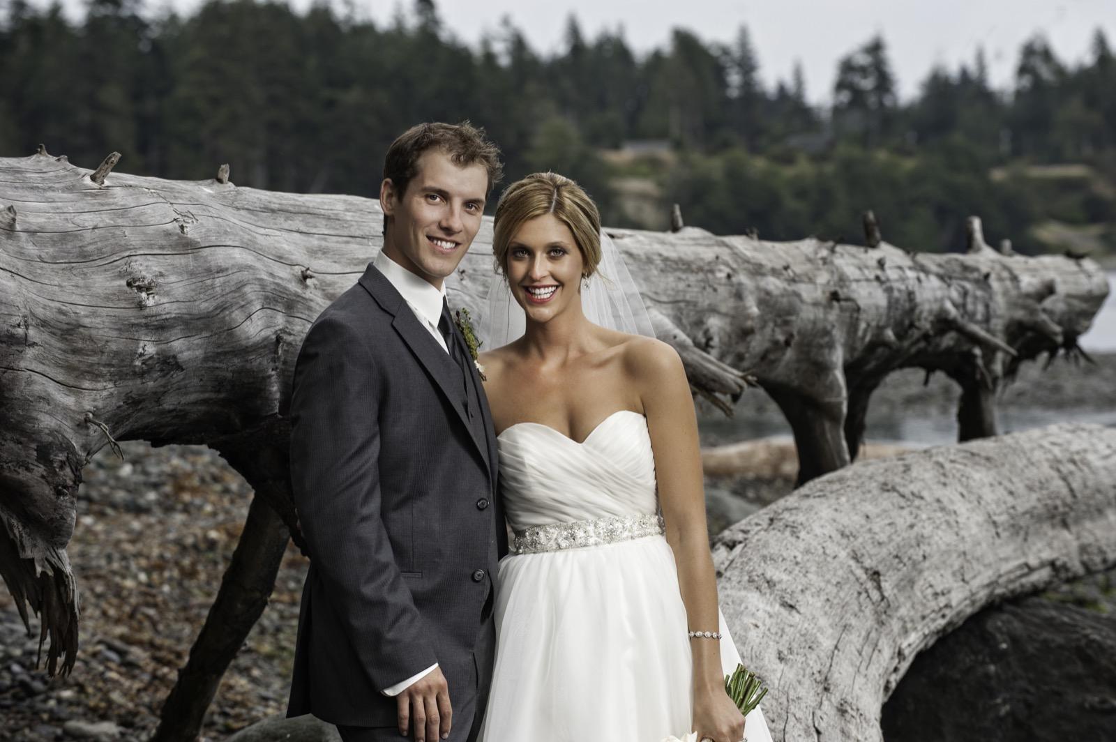 sooke-wedding-photographers-craidelonna-oceanedge-lodge-wedding-73.jpg