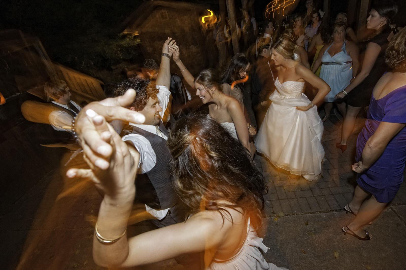 sooke-wedding-photographers-craidelonna-oceanedge-lodge-wedding-88.jpg
