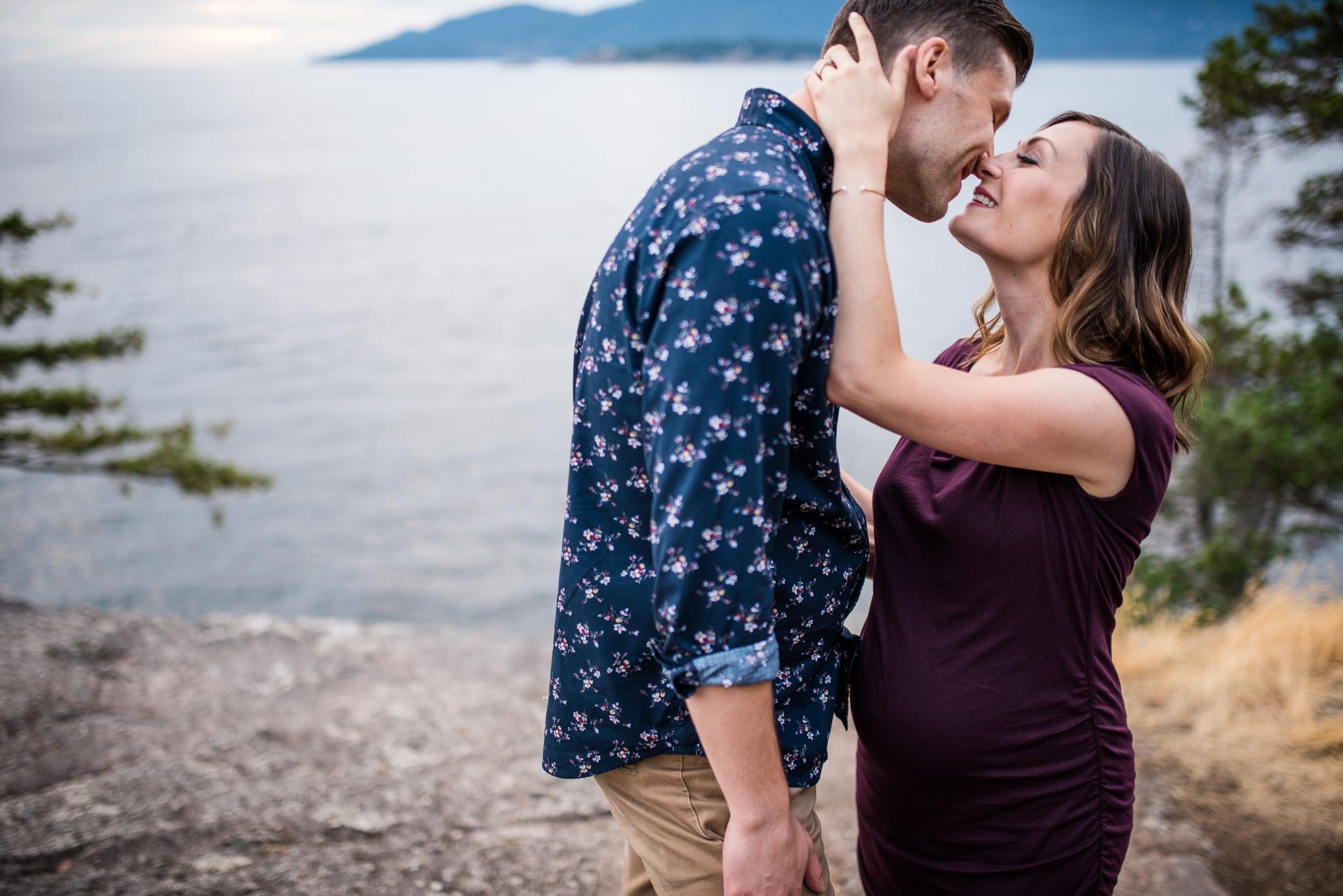 lighthouse-park-maternity-victoria-wedding-photographers-17.jpg