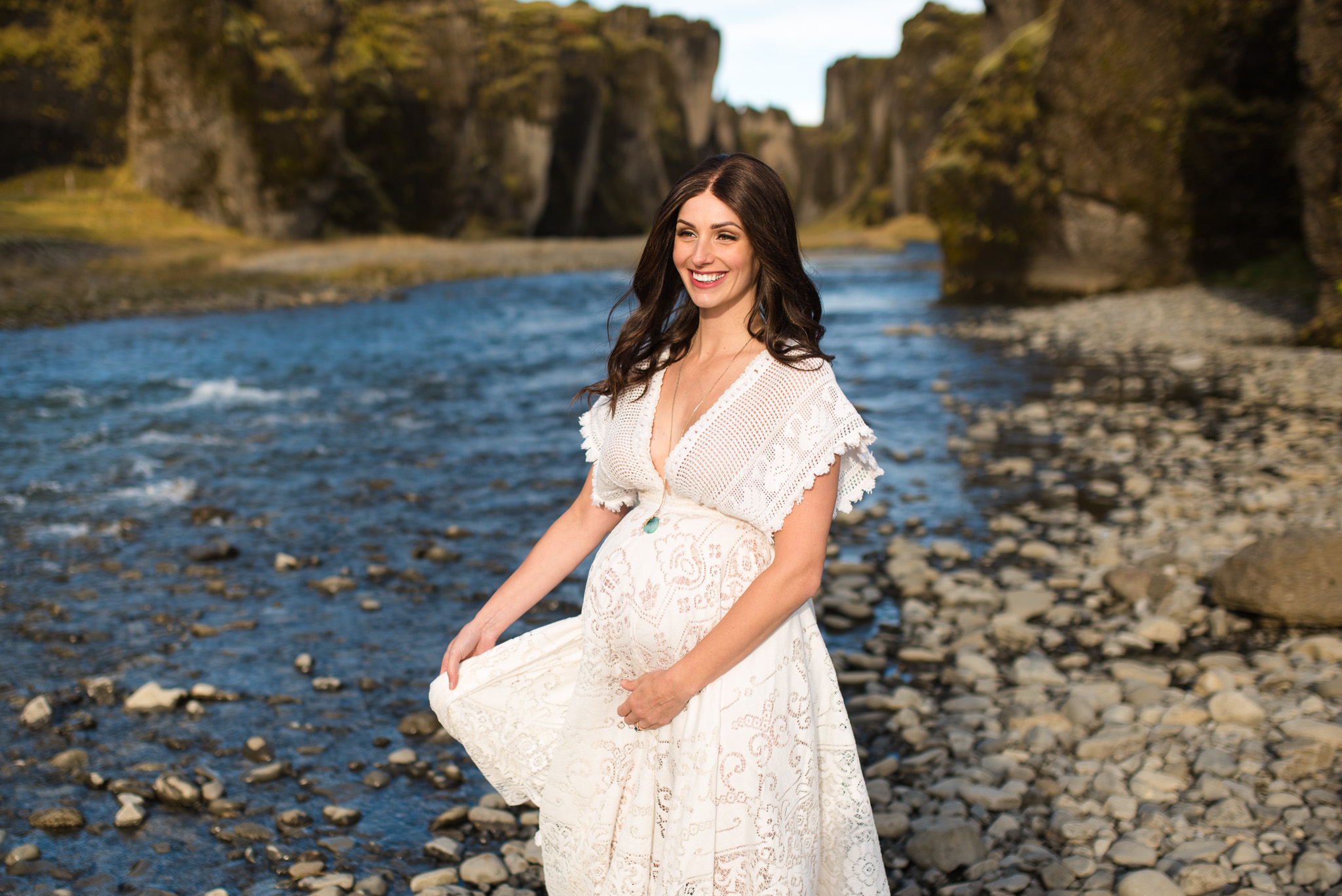 victoria-wedding-photographers-iceland-maternity-photos-3.jpg