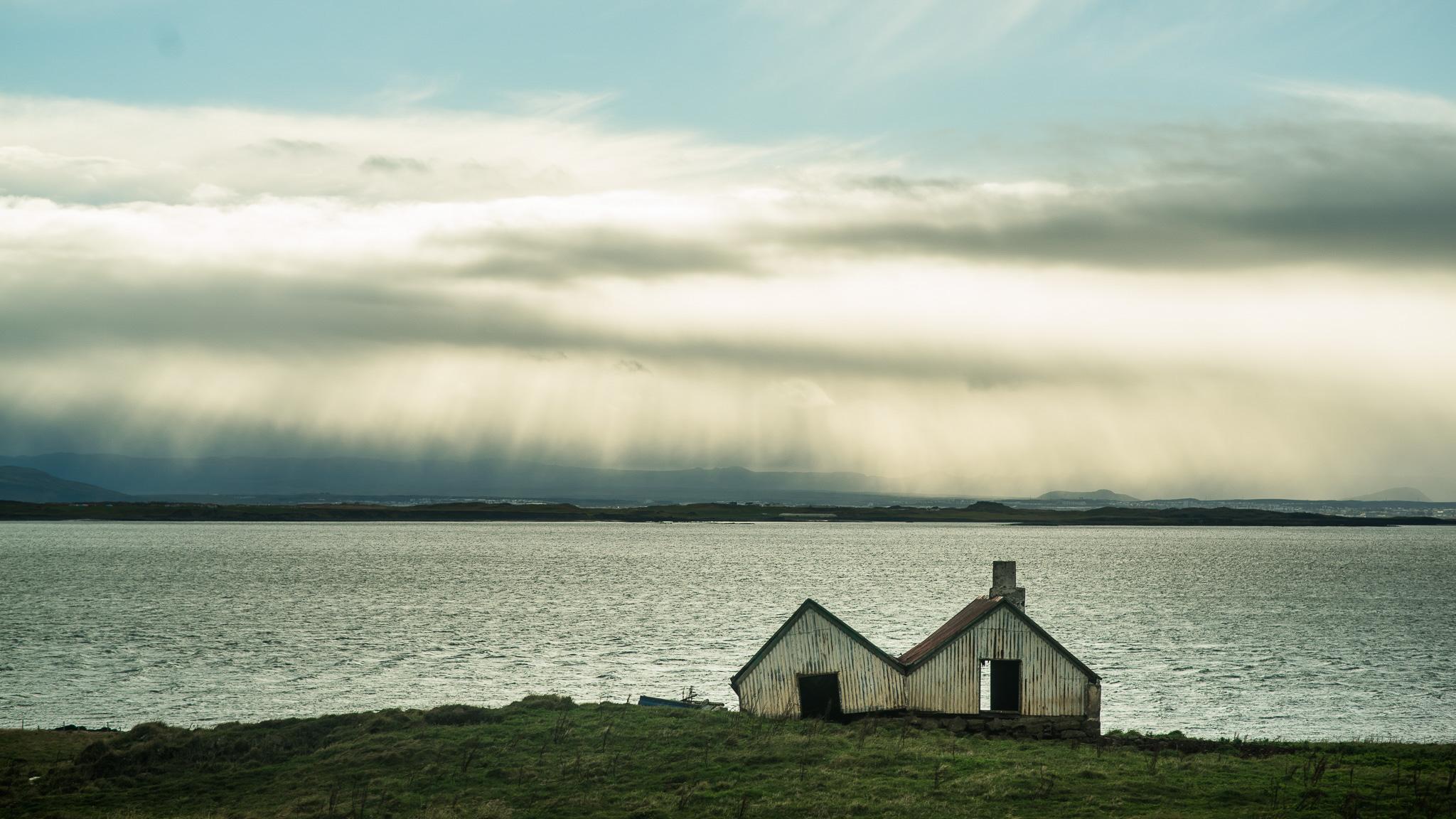 iceland-elopement-photographers-victoria-wedding-photographers-travel-iceland-70.jpg
