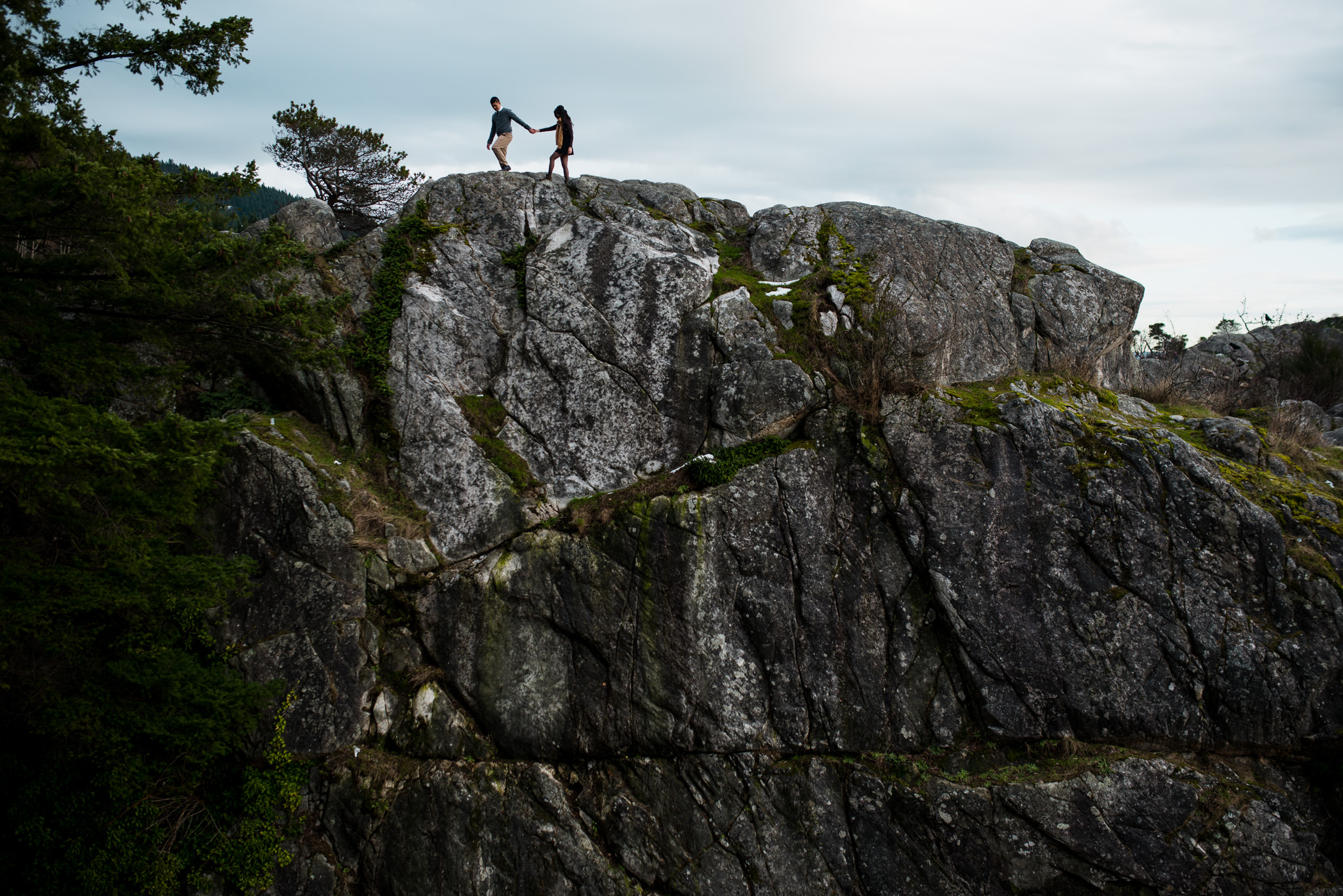 vancouver-island-wedding-photographers-whytecliff-park-engagement-11.jpg