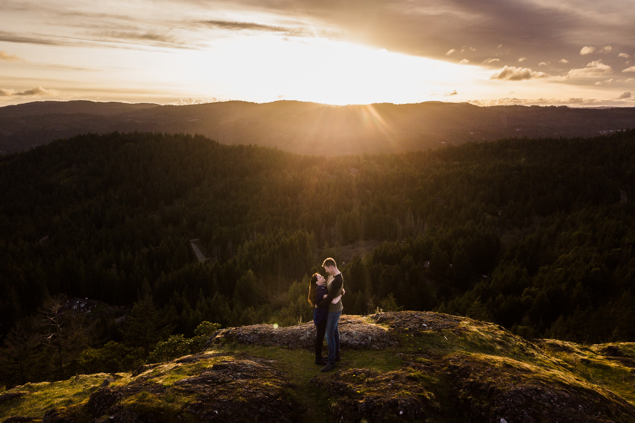 victoria-wedding-photographer-lone-tree-hill-engagement-19.jpg