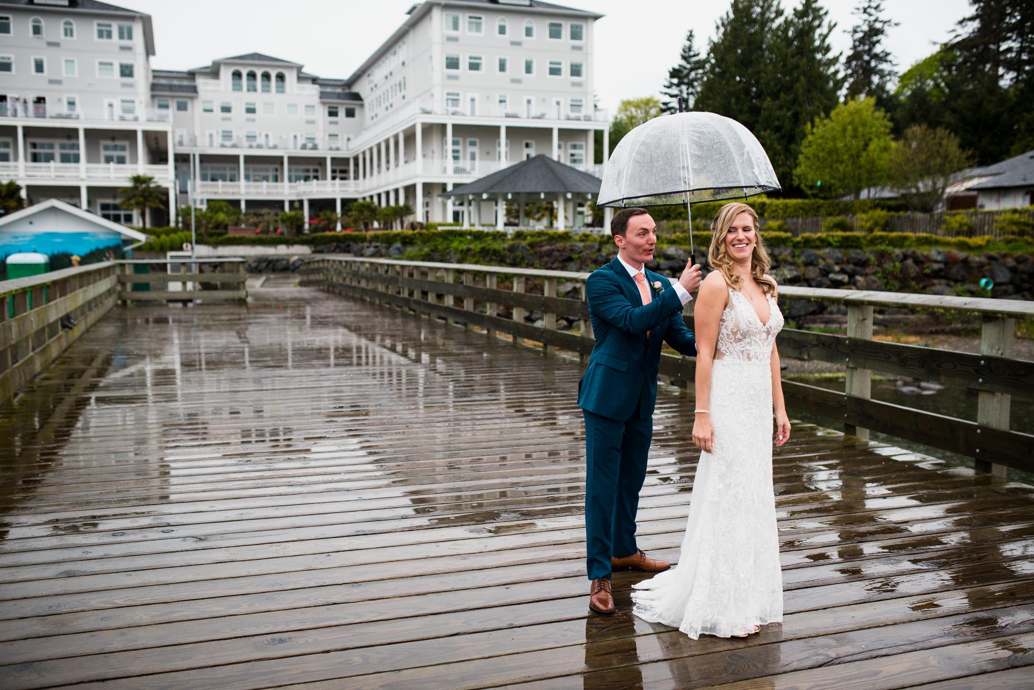 victoria-wedding-photographers-prestige-oceanfront-resort-wedding-17.jpg