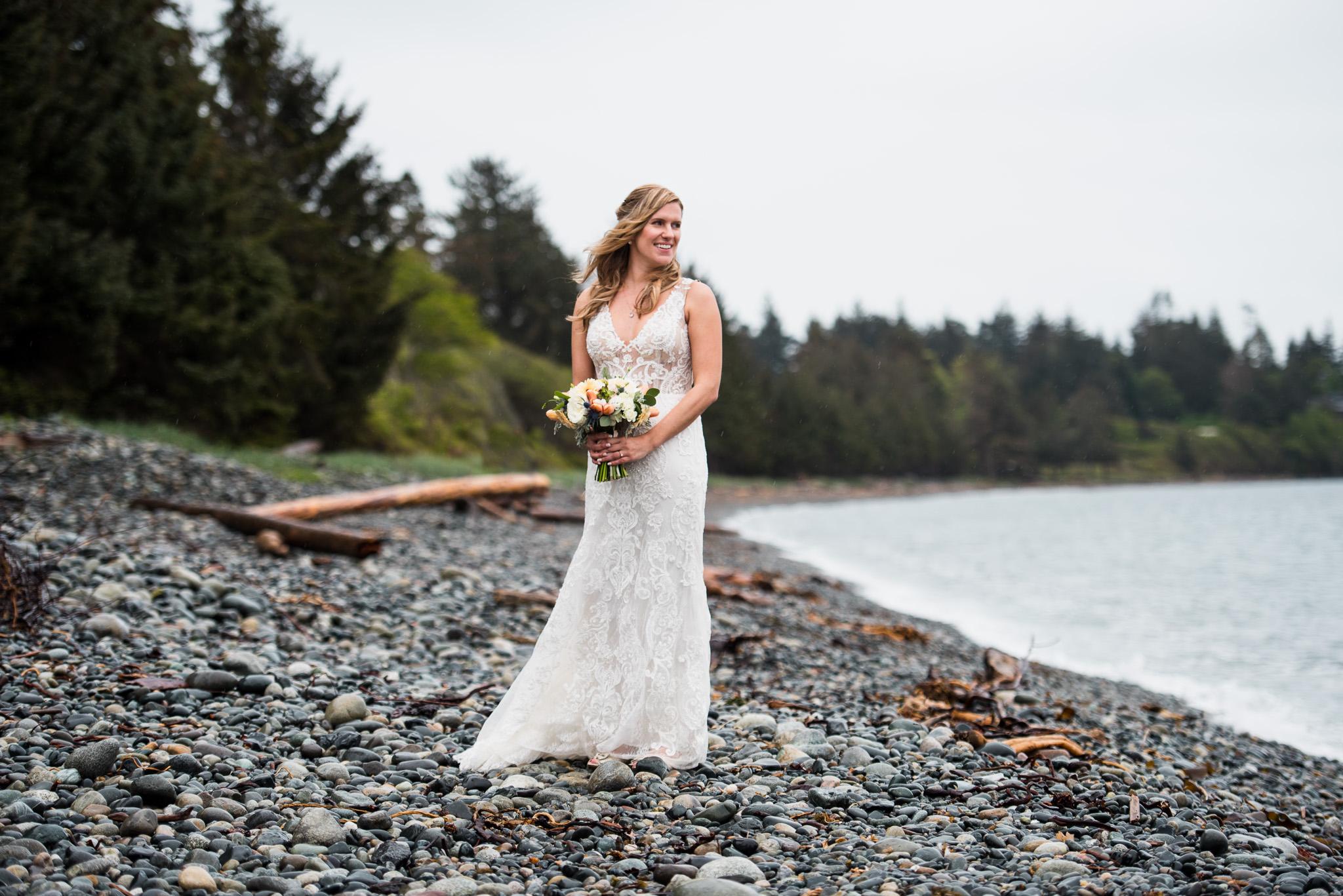 victoria-wedding-photographers-prestige-oceanfront-resort-wedding-25.jpg