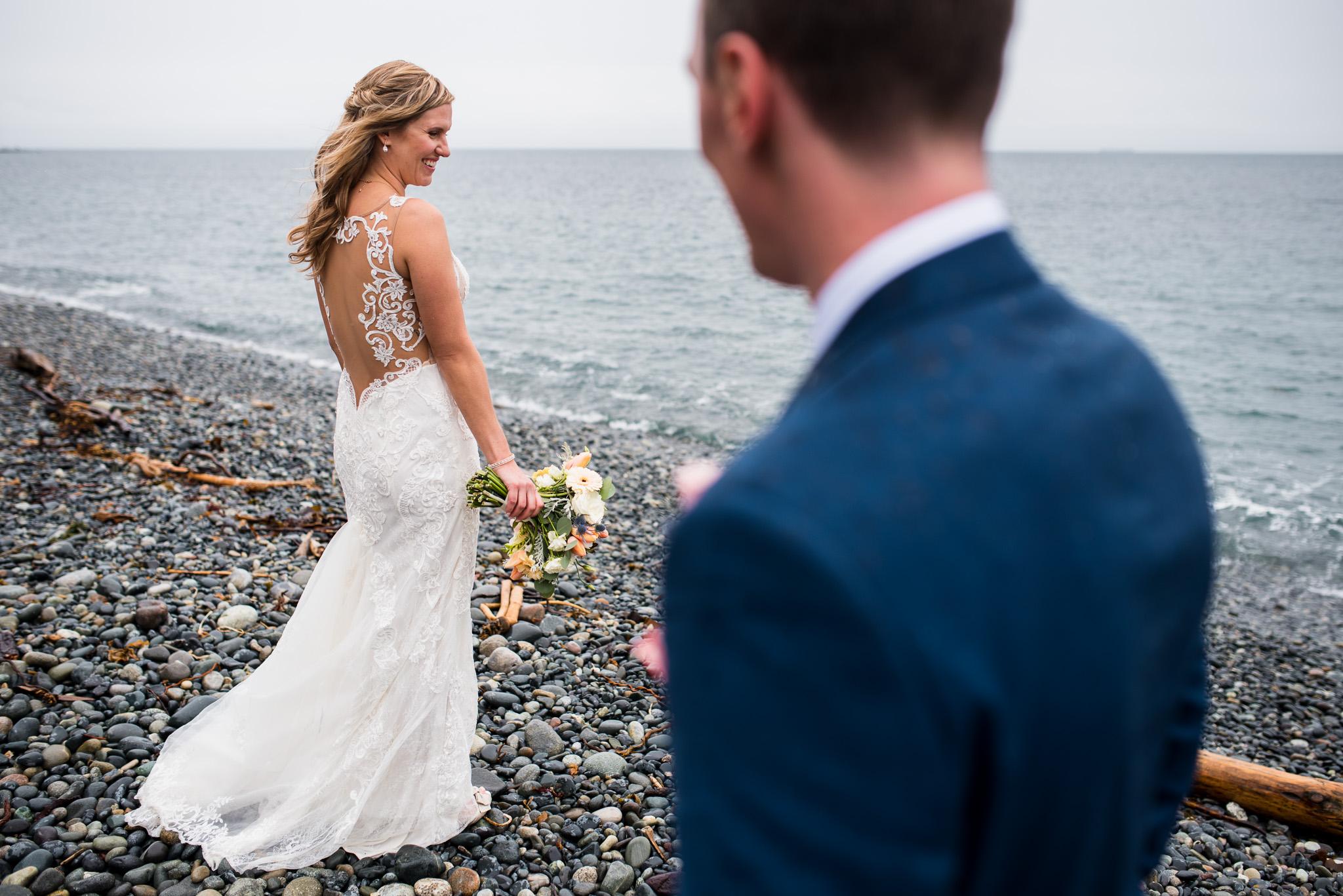 victoria-wedding-photographers-prestige-oceanfront-resort-wedding-26.jpg