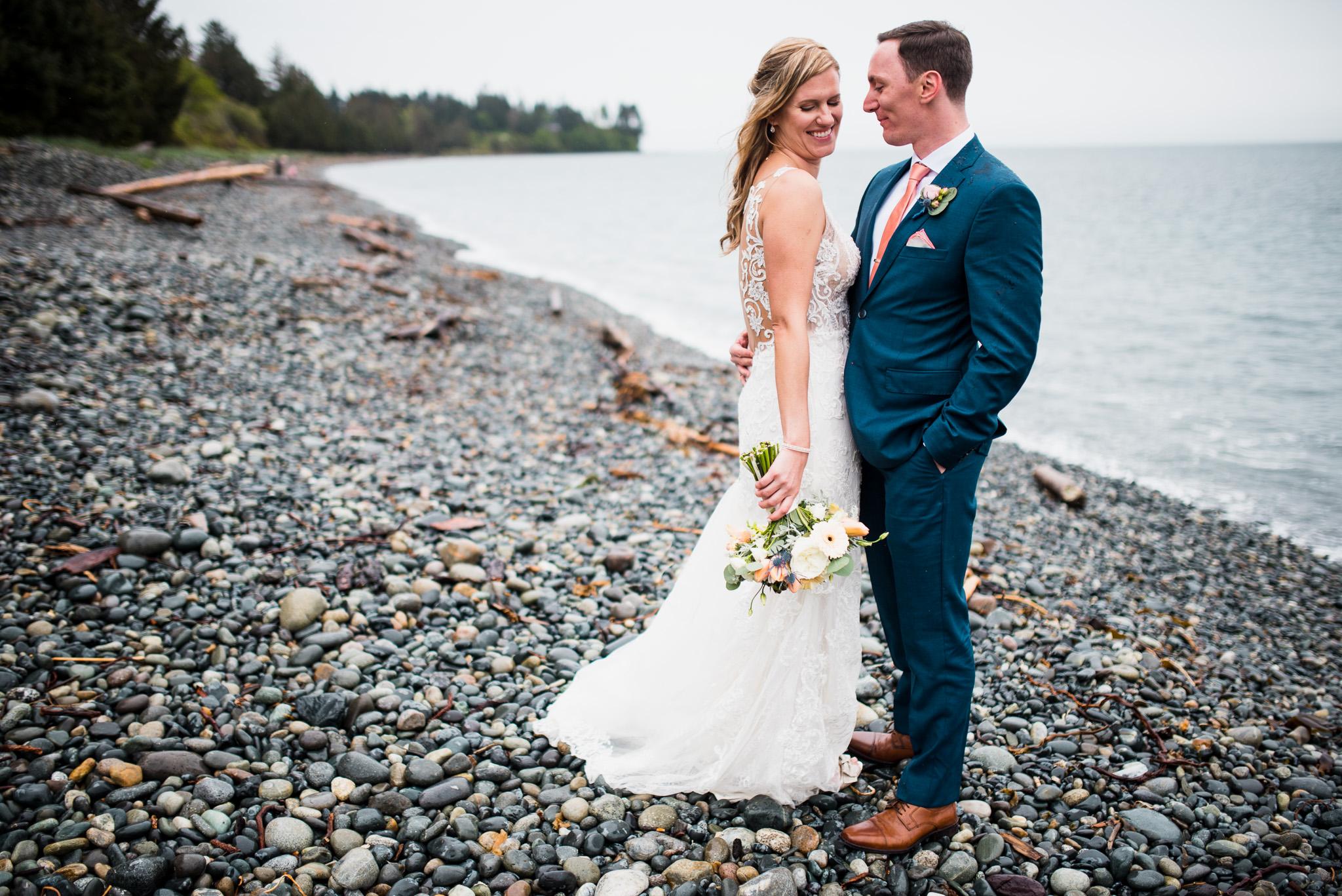 victoria-wedding-photographers-prestige-oceanfront-resort-wedding-27.jpg